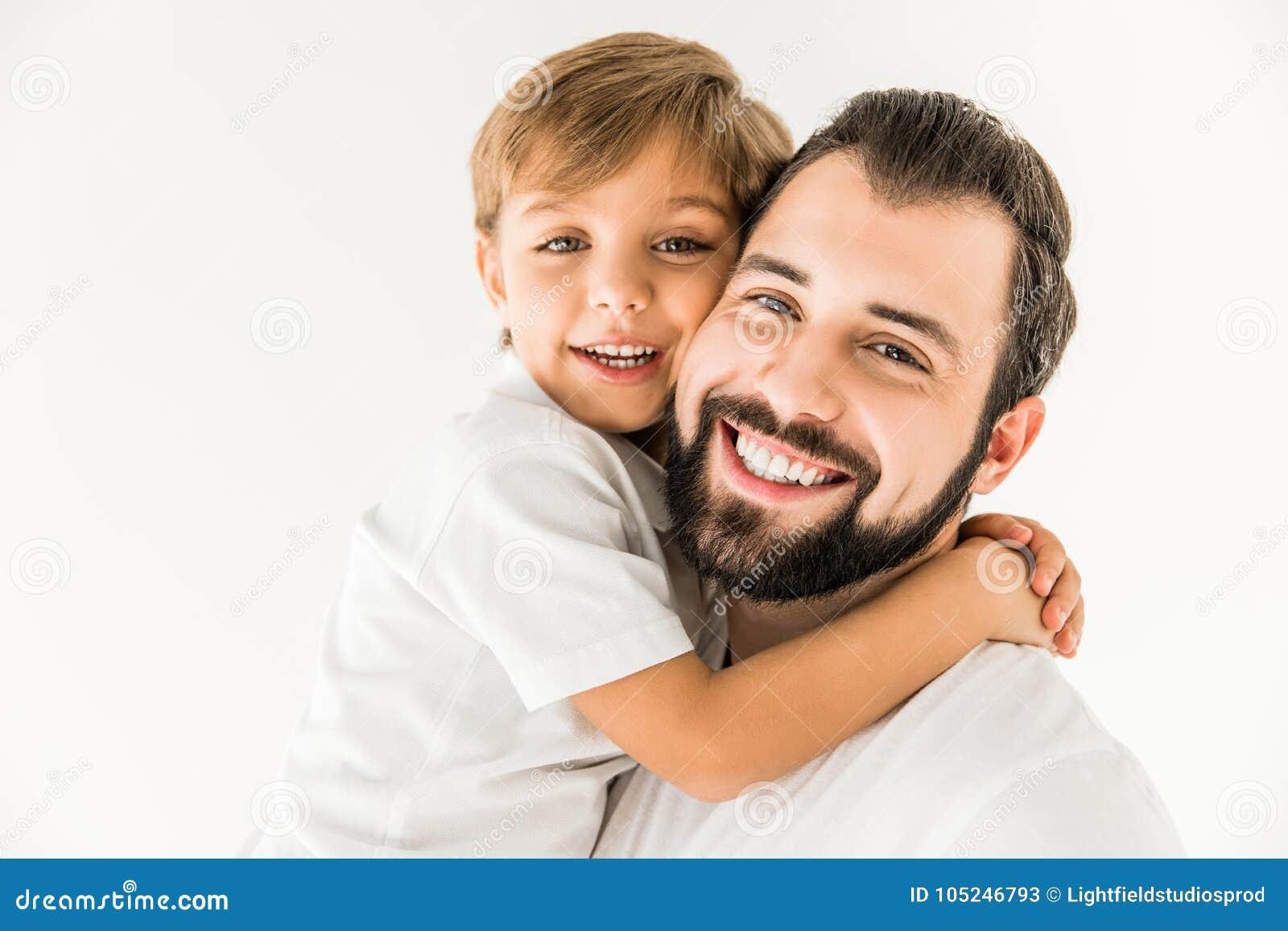 Lycklig fader och son tillsammans