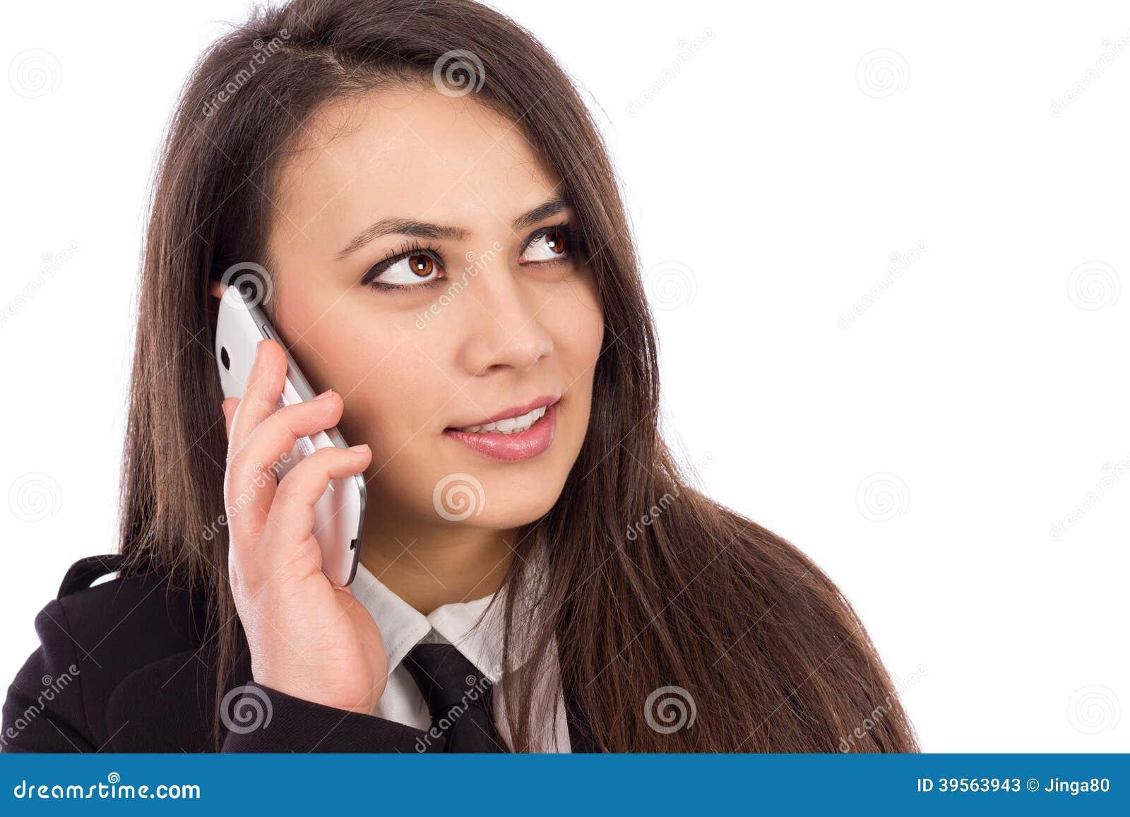 Lycklig le lyckad affärskvinna med hennes smarta telefon