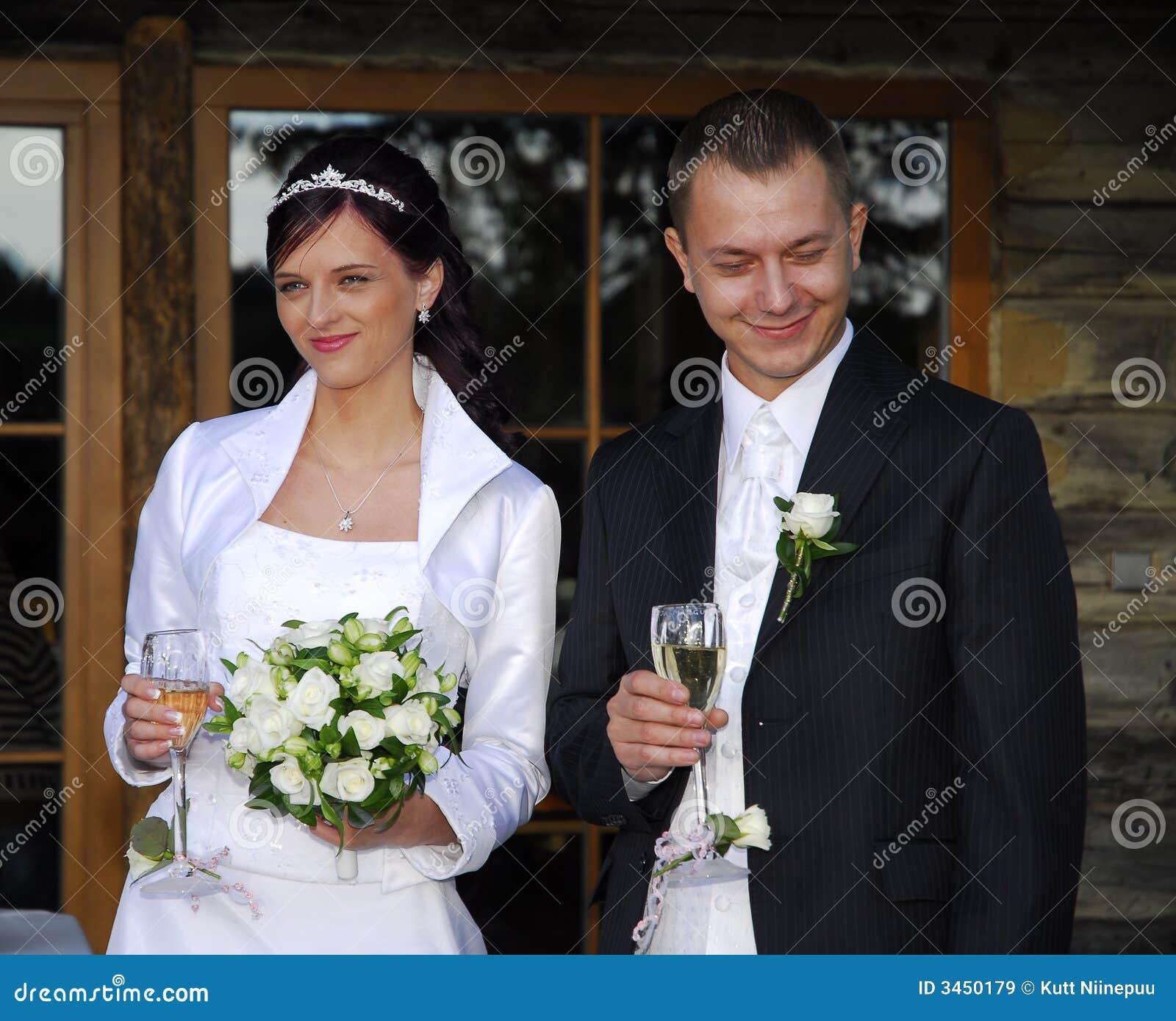 Lyckliga par gifta sig nytt