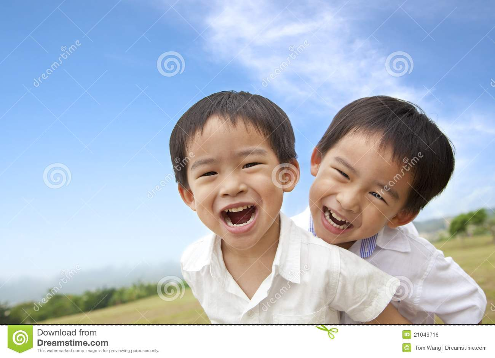 Lyckliga pojkar little