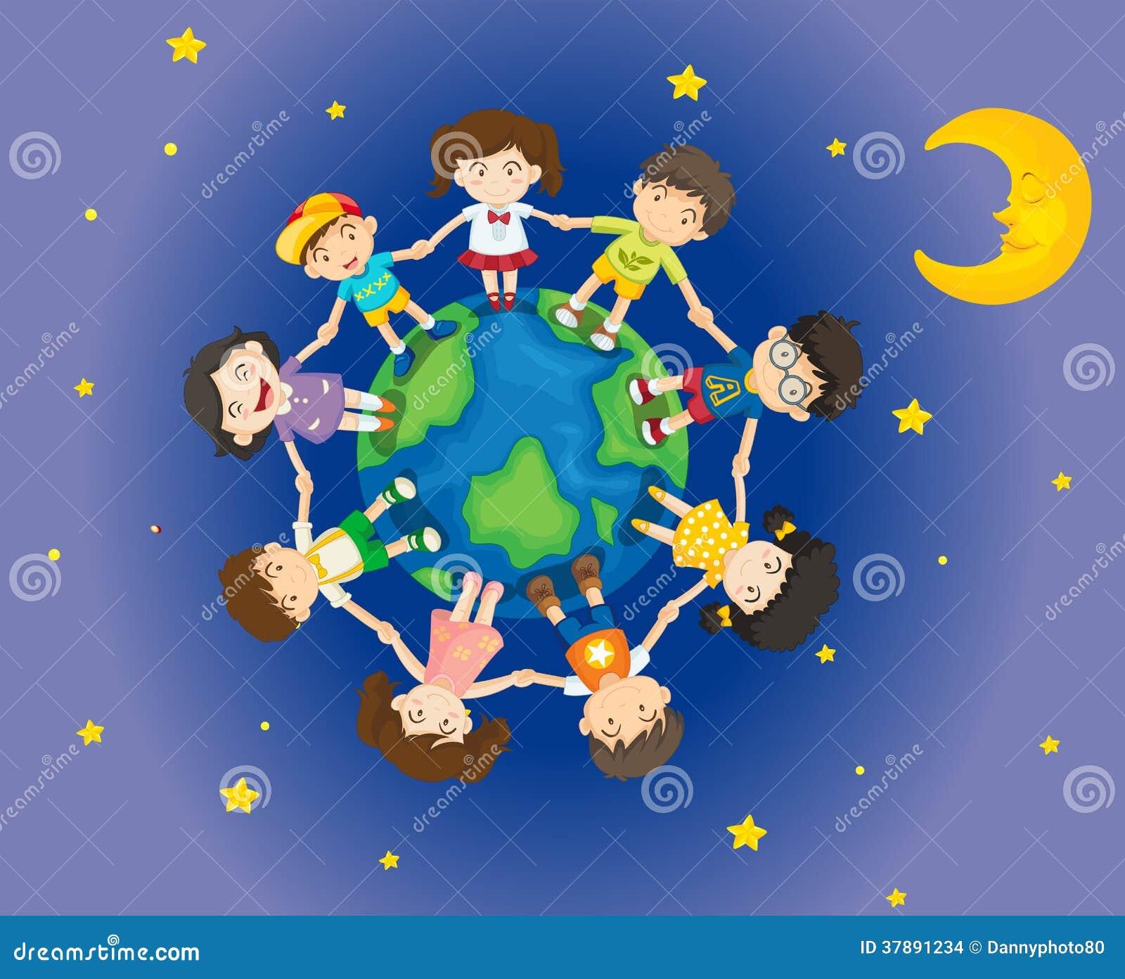 Lyckliga ungar som omger jorden