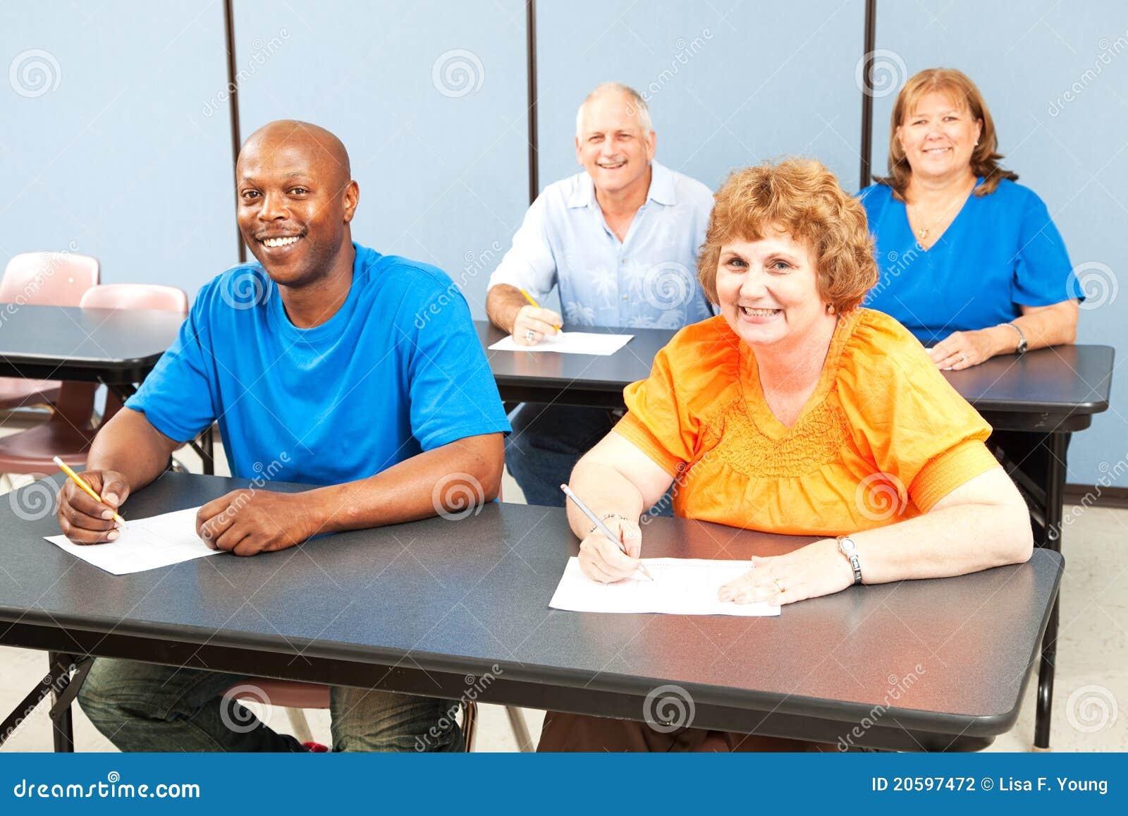 Lyckligt le för vuxen grupputbildning