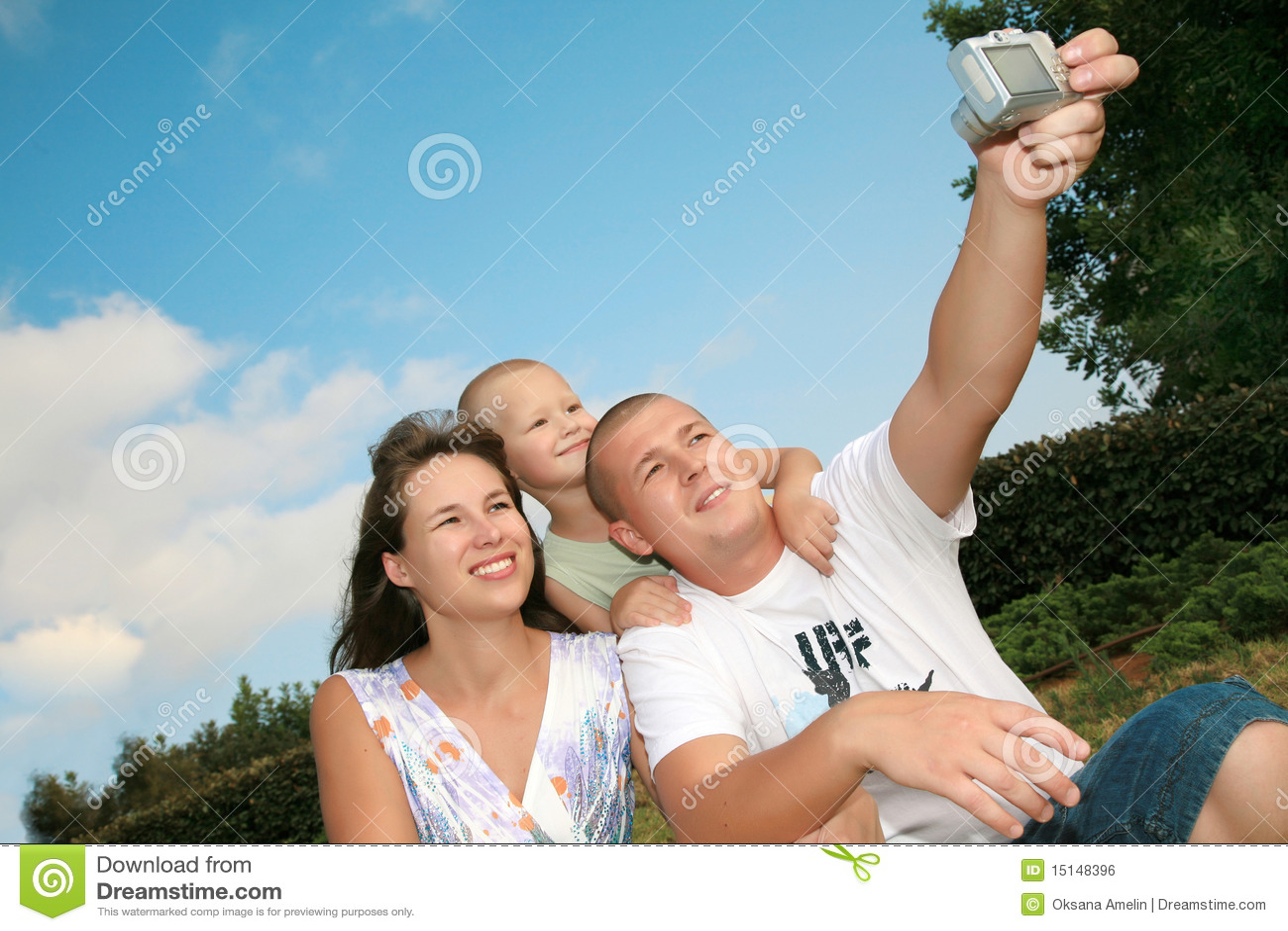 Lyckligt leende för familj