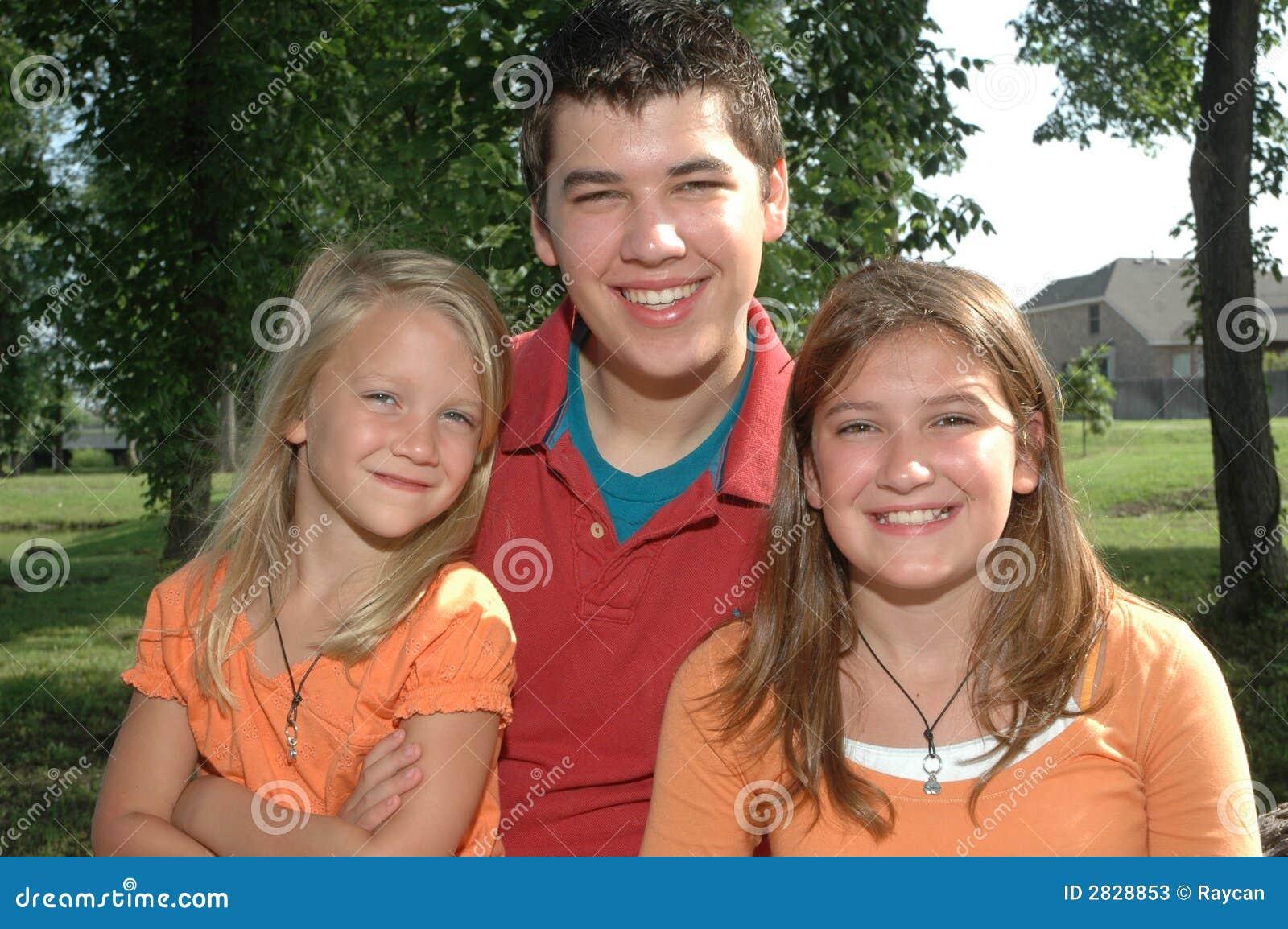 Lyckligt syskon