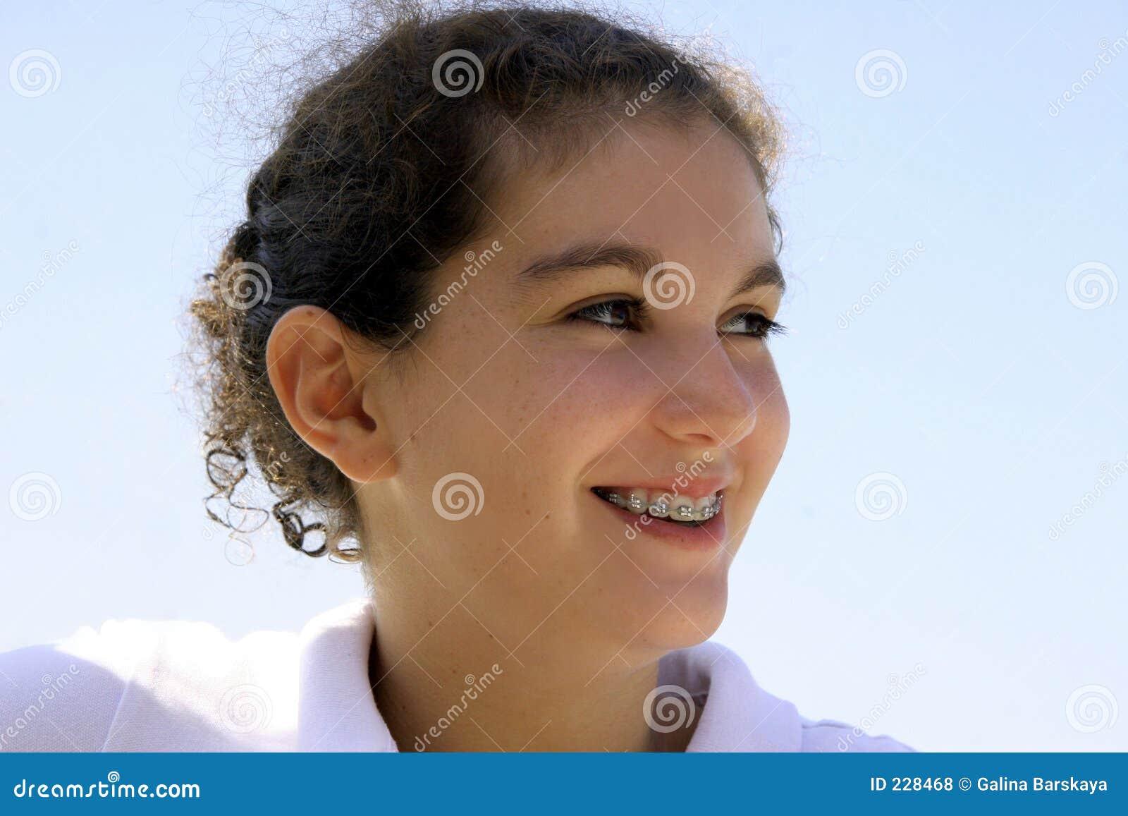 Lyckligt tonårs- för flicka
