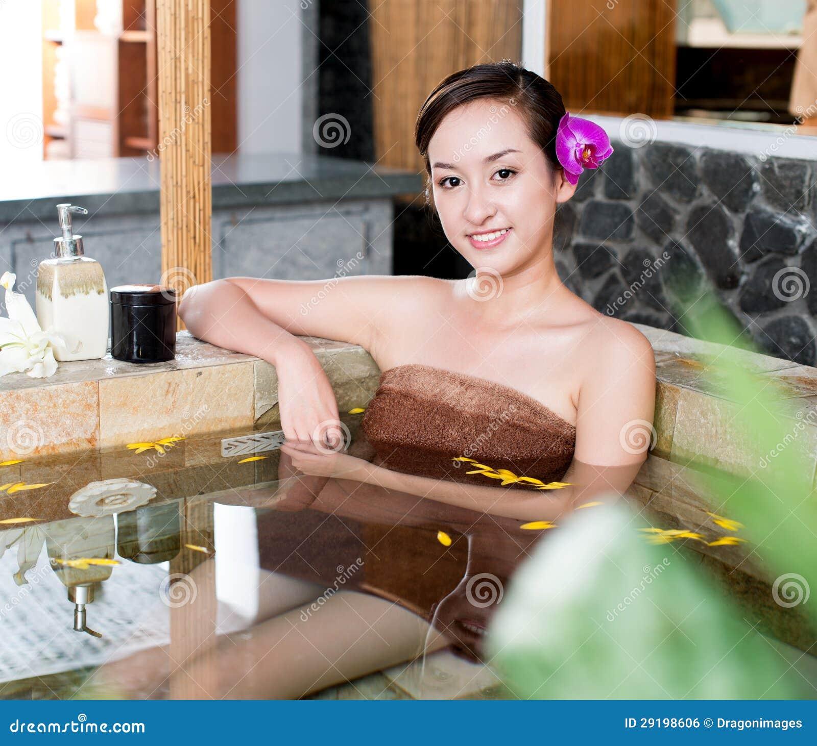 Лежа в ванне фото фото 601-50
