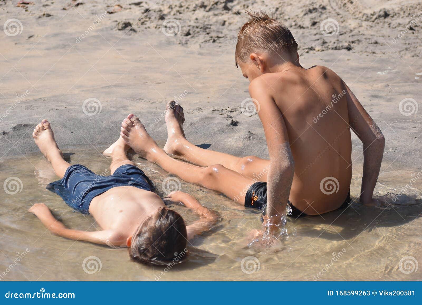 naked kids boys