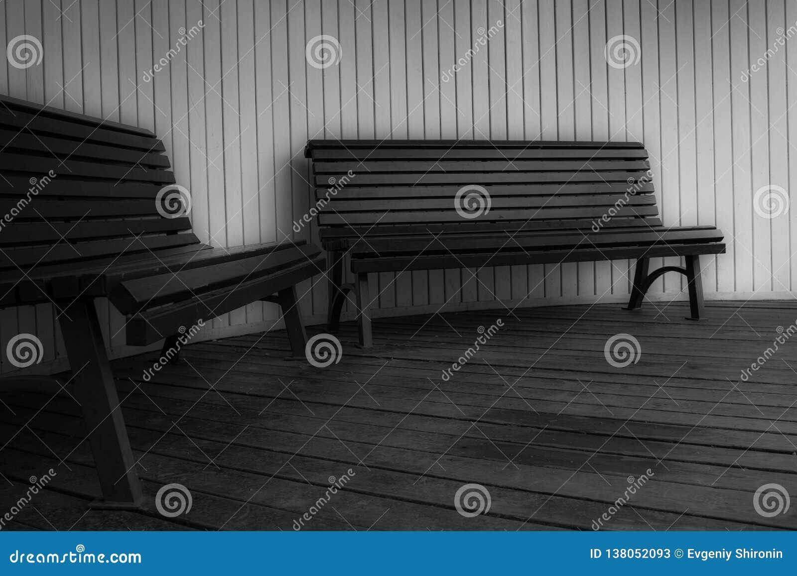 Lynne - 'melankoliskt 'eller precis '50 skuggor av grå färger