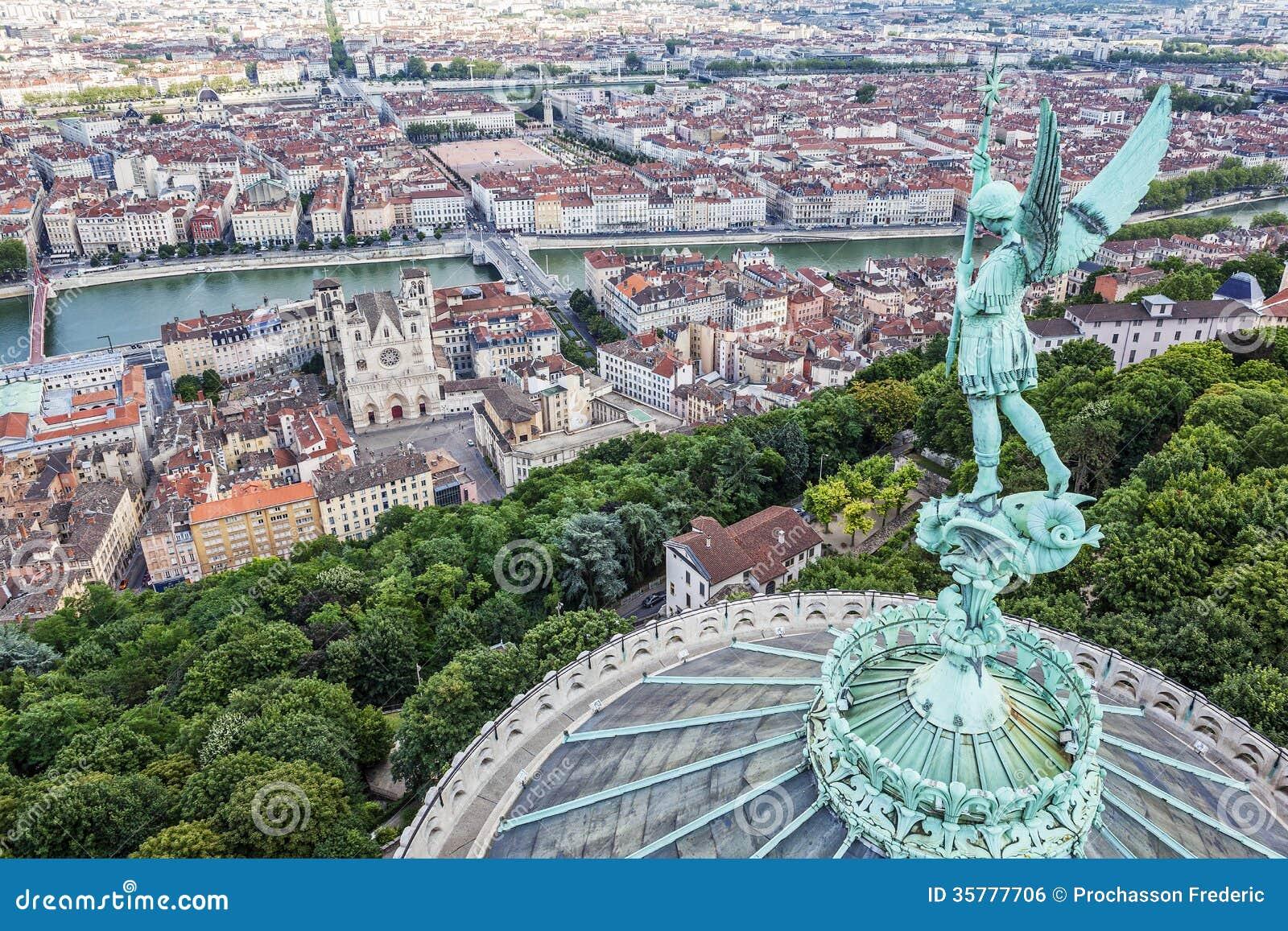 Lyon Du Haut De Notre Dame De Fourviere Photo stock ...