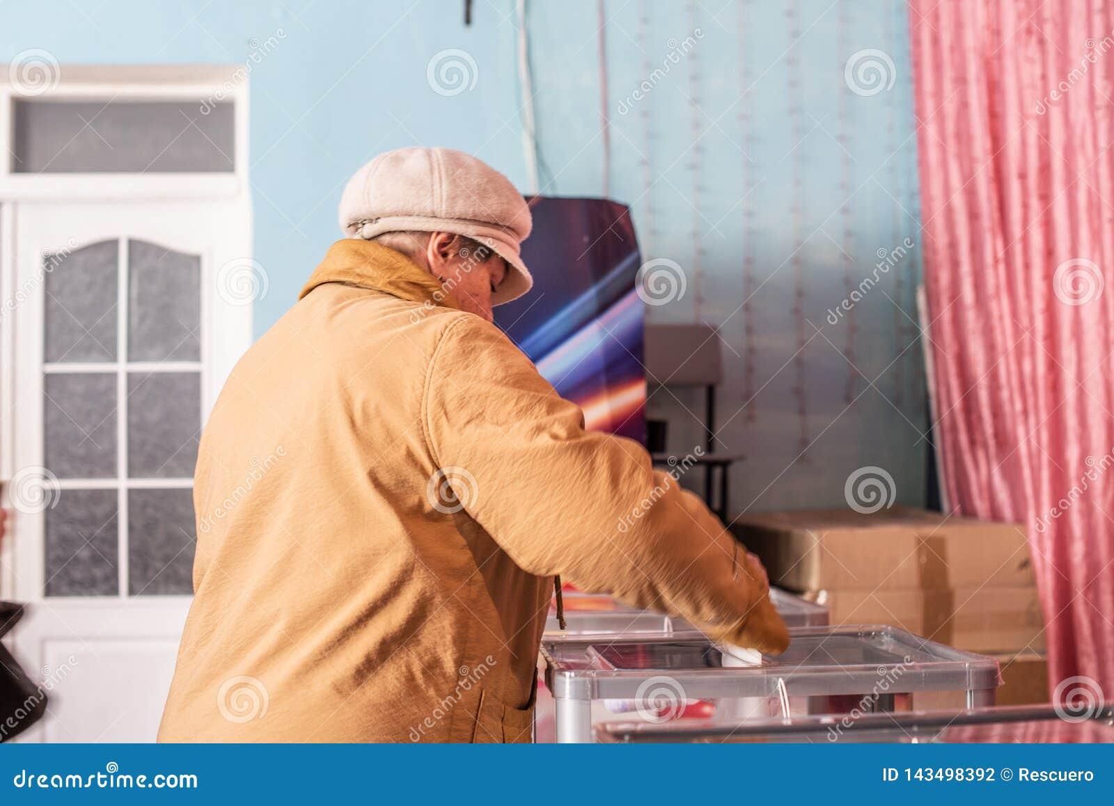 Lysychansk, Ukraina - 03-31-2019 prezydent Ukraina wybory