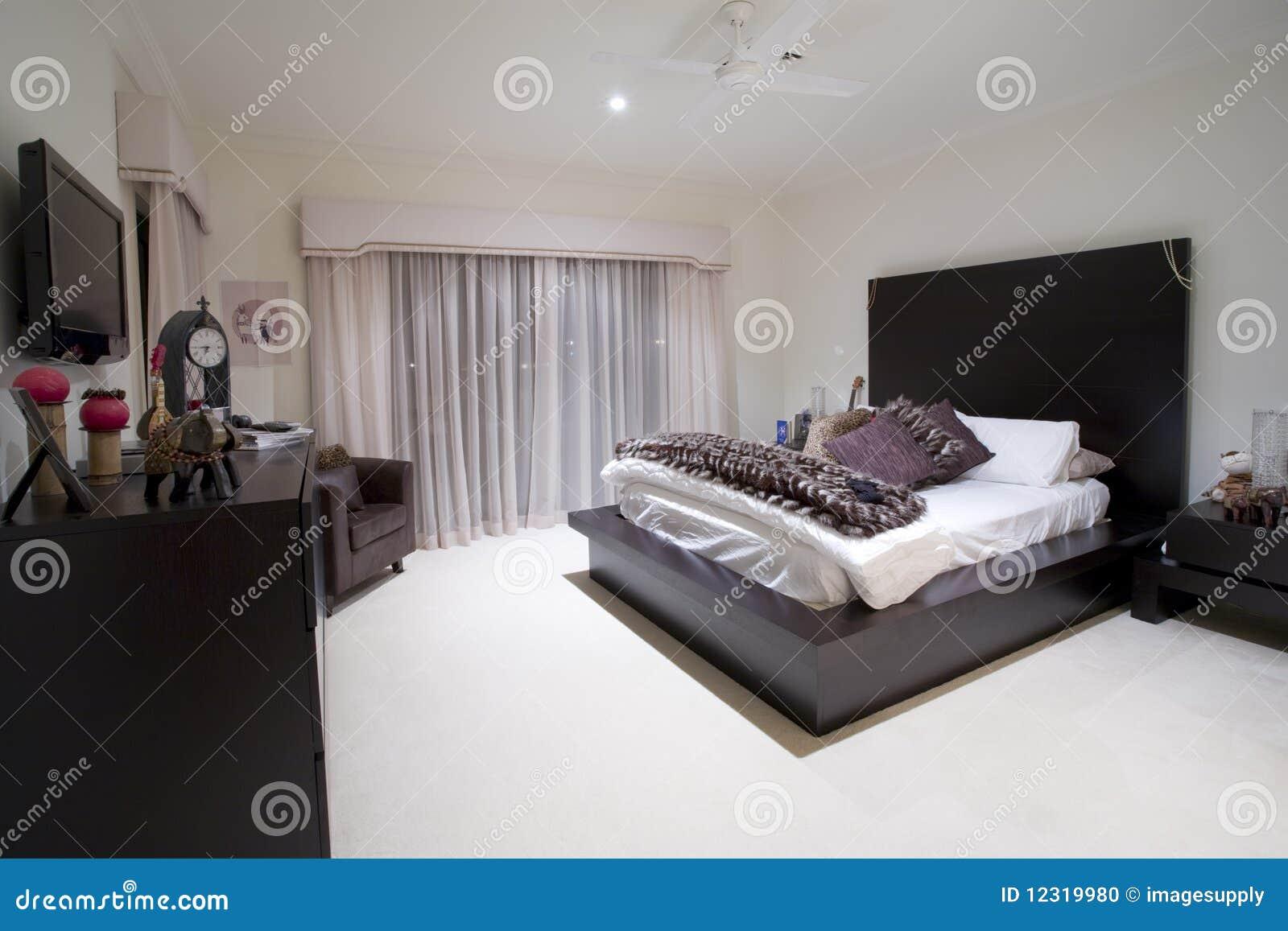 Lyxig herrgård för sovrum flickaktigt arkivfoto   bild: 12319980