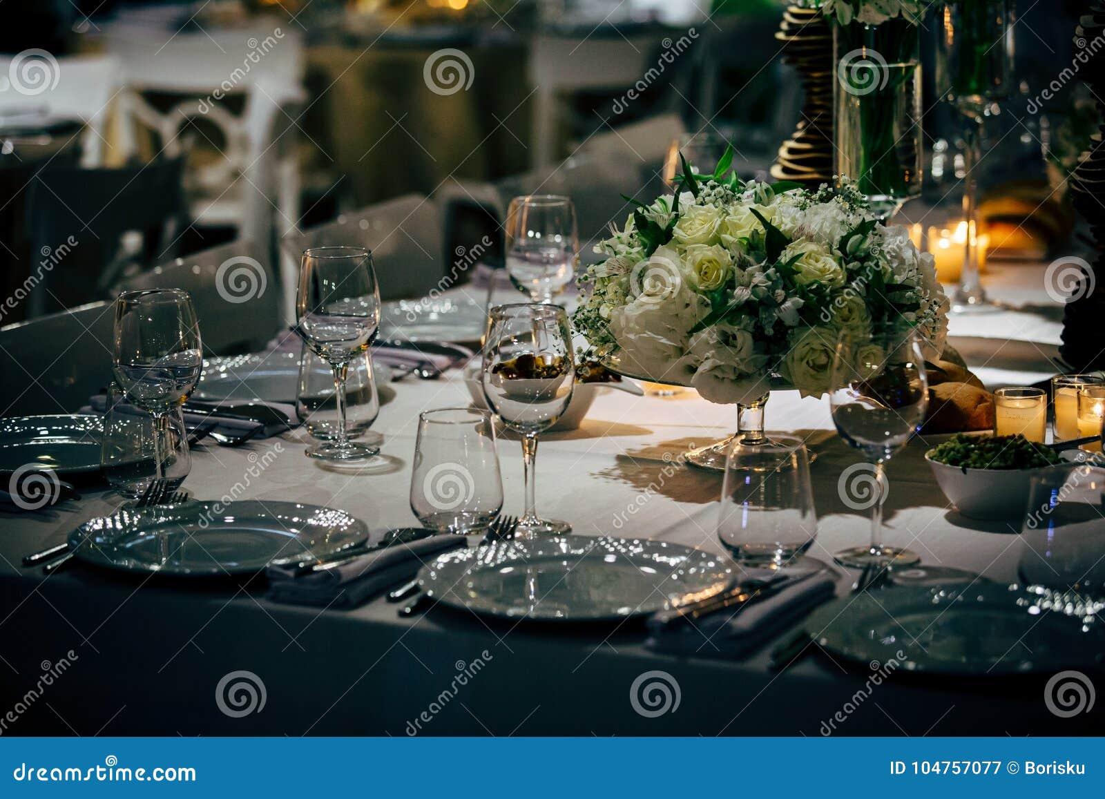 Lyxig tabellinställning för parti, jul, ferier och bröllop