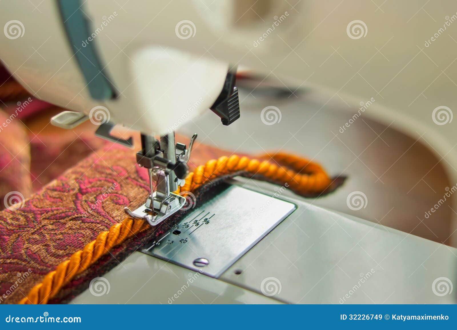 Download Máquina de costura imagem de stock. Imagem de eletricidade - 32226749