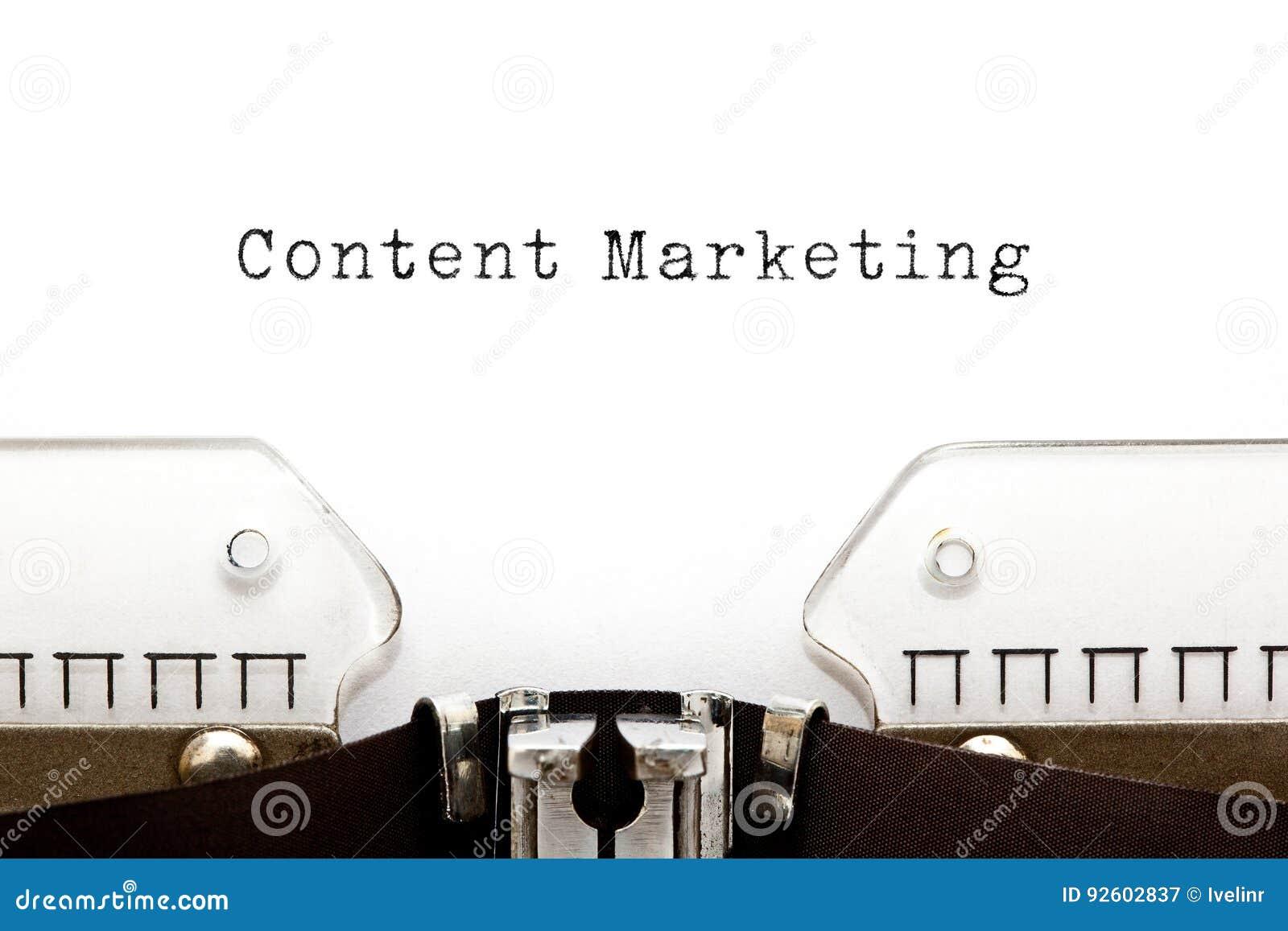 Máquina de escribir contenta del márketing