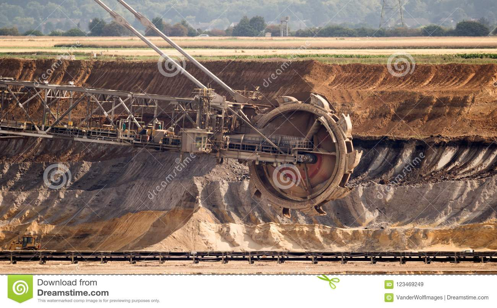Máquina escavadora Mining In um carvão de Brown Pit Mine aberto
