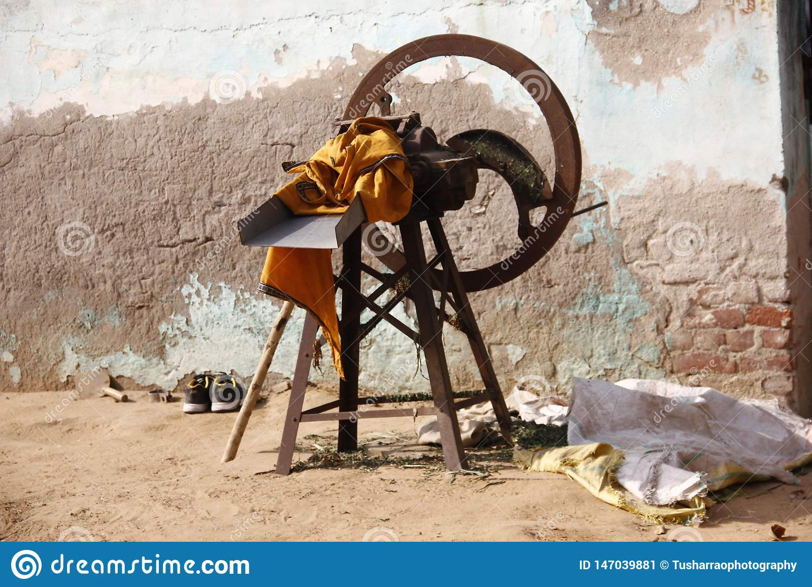 Máquina manual do cortador de grama do estilo antigo para animais