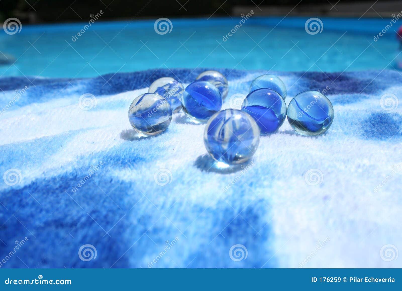 Mármoles en el azul