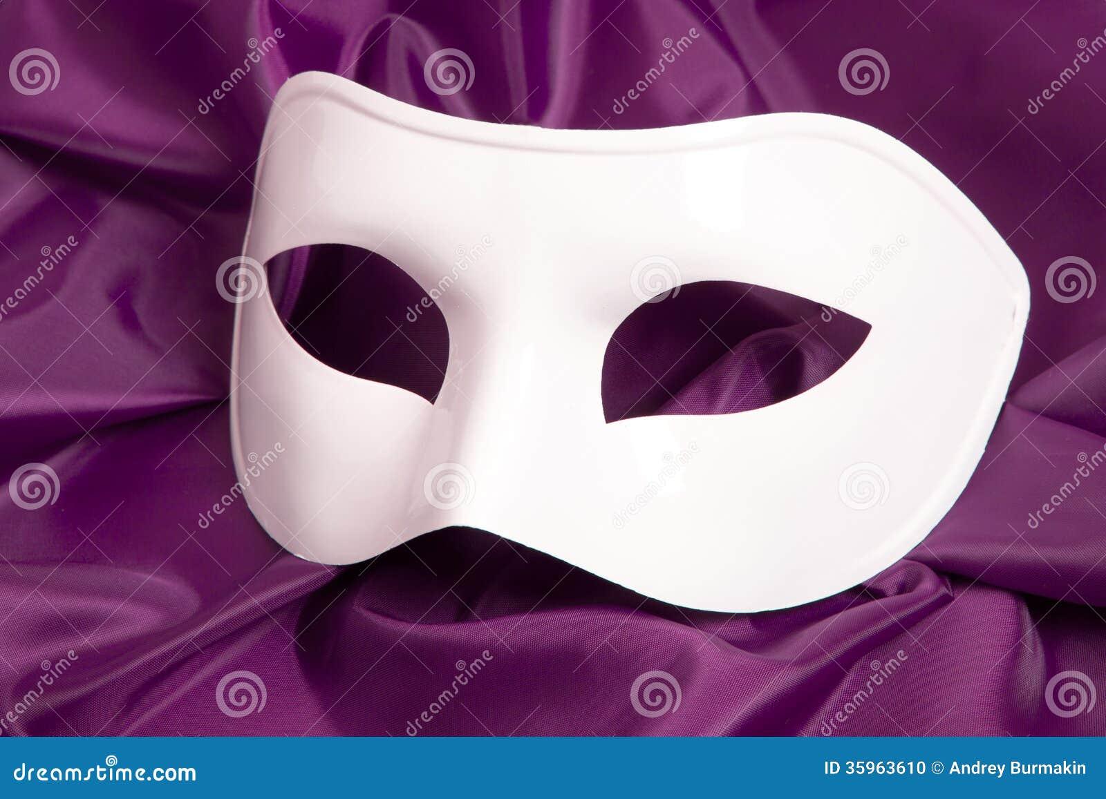 Máscara de teatro blanca