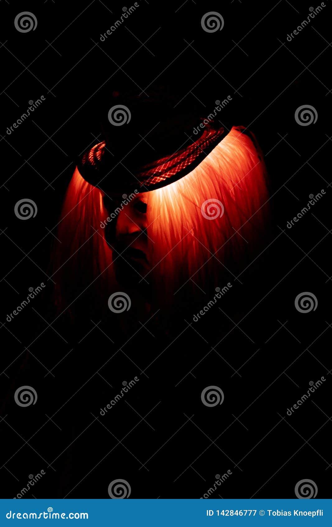 Máscara espeluznante roja en el Carneval en Basilea