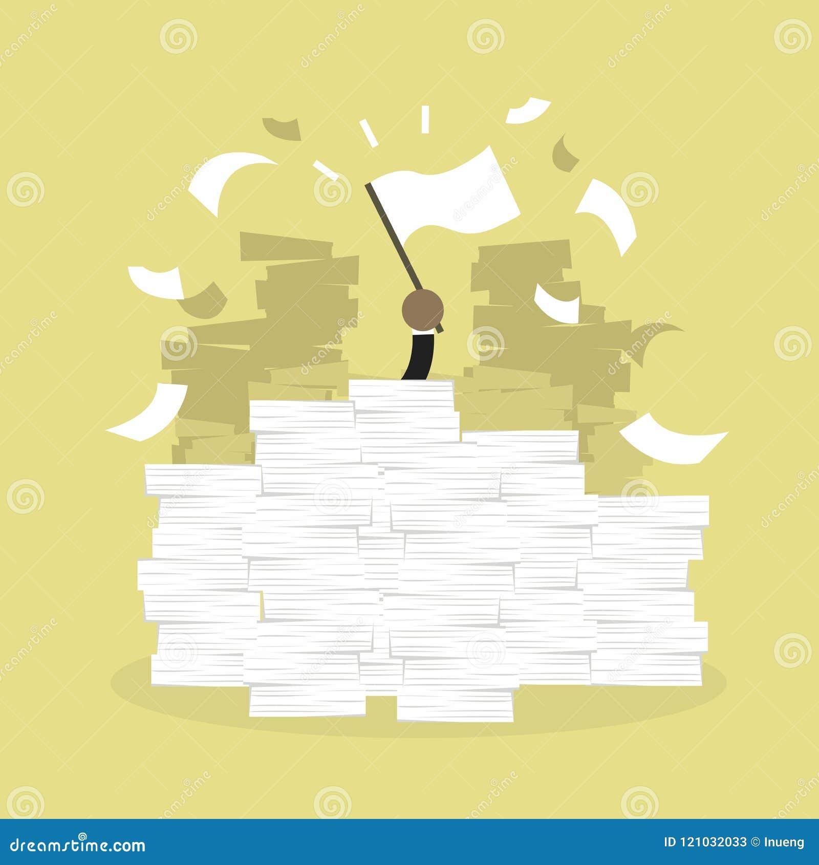 Mão africana do homem de negócios com bandeira branca A mesa de escritório carregou do documento, das faturas e dos muitos papéis