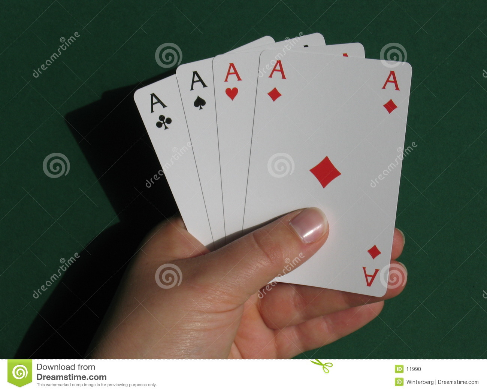 Mão com cartões