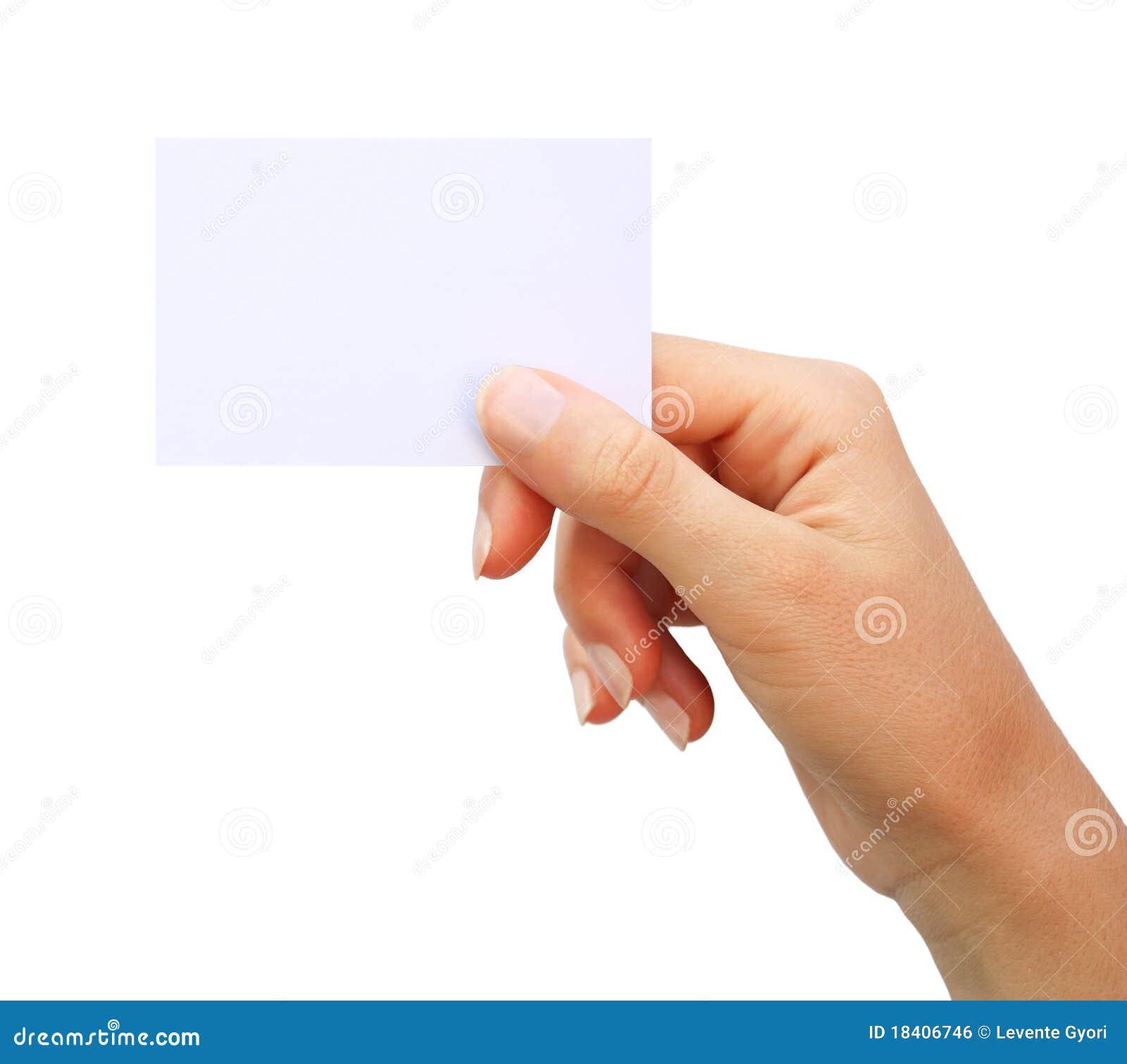 Mão que mantem o cartão em branco isolado