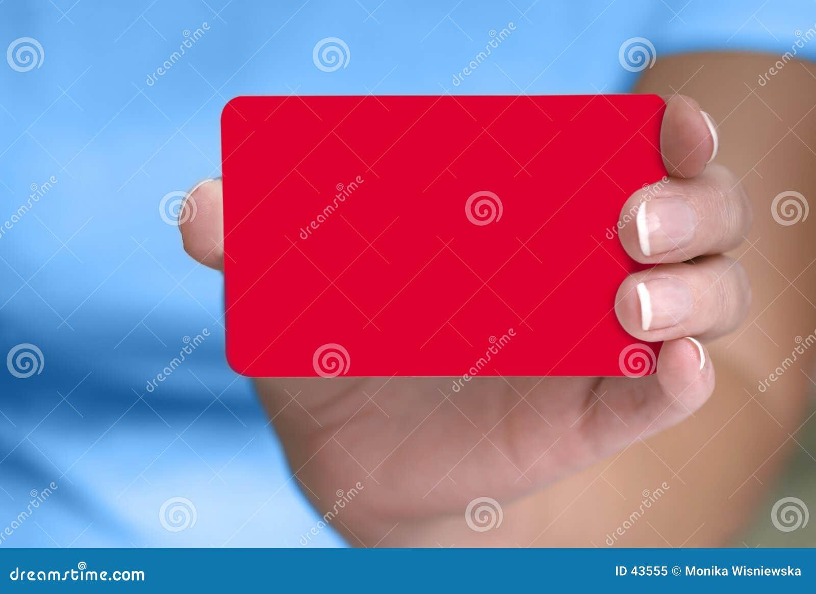 Mão que mostra o cartão em branco