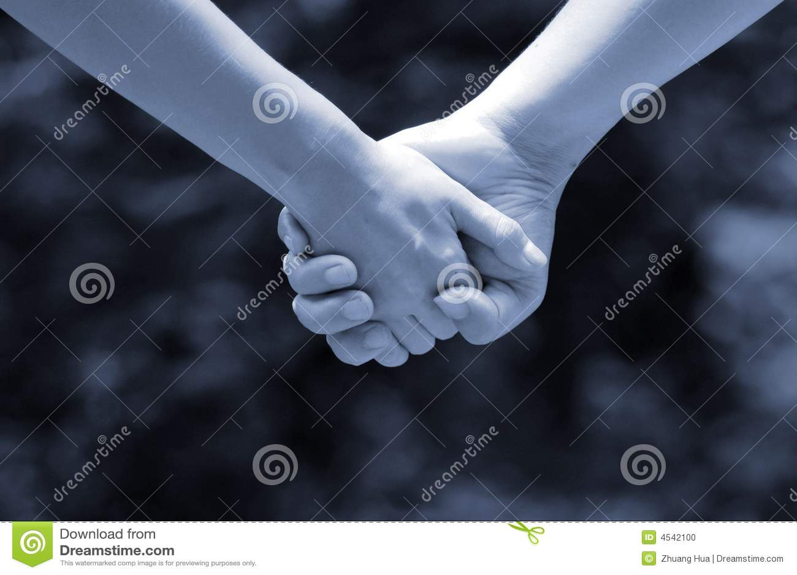 Mãos dos amantes (monocromáticos)