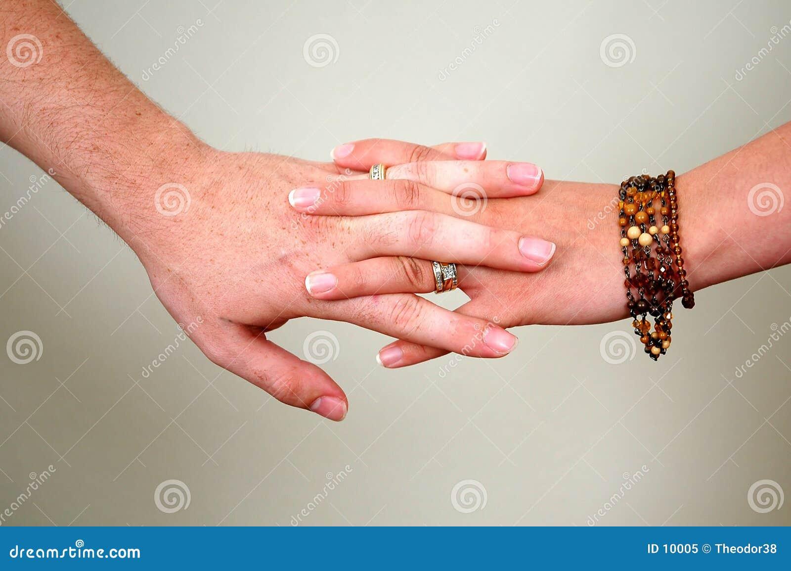 Mãos junto