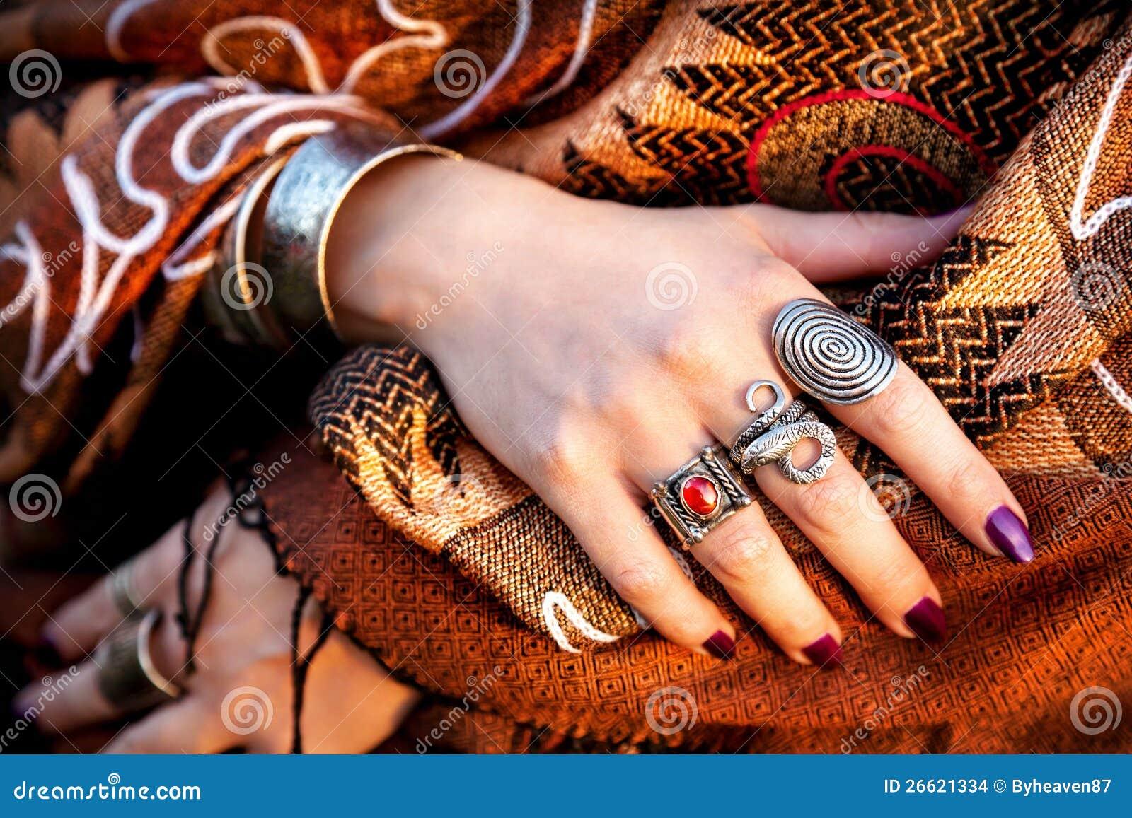 Mãos tribais