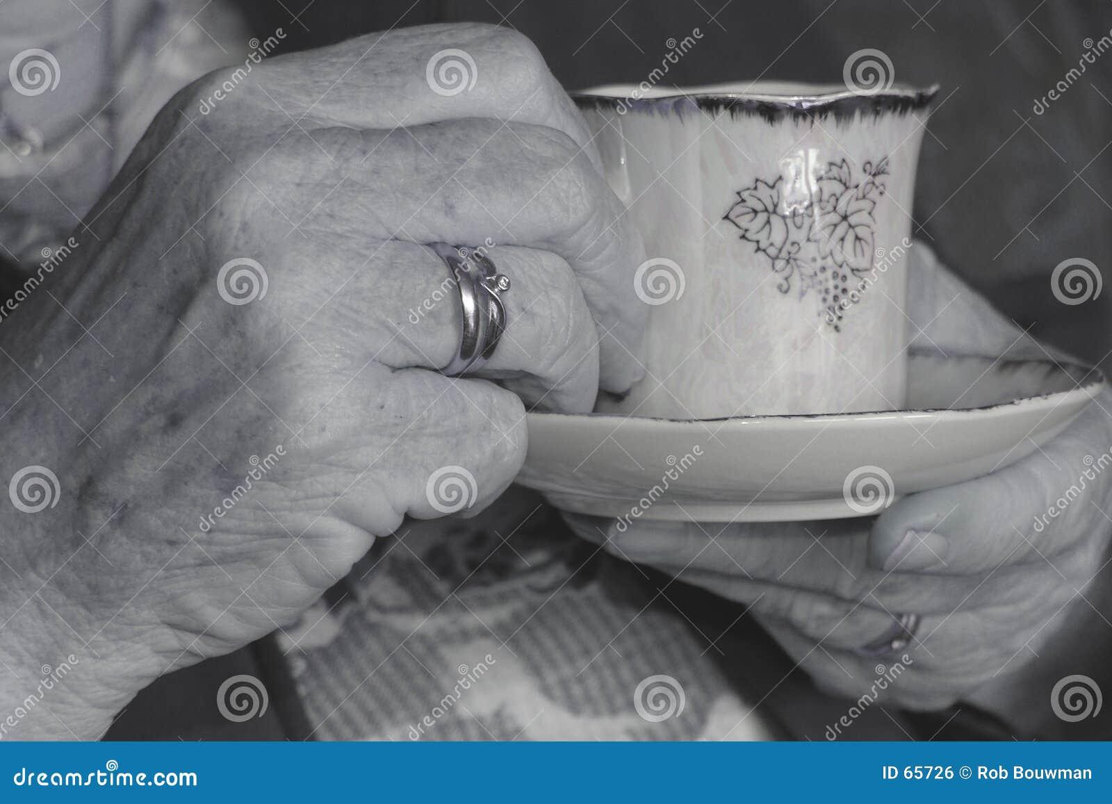 Mãos velhas