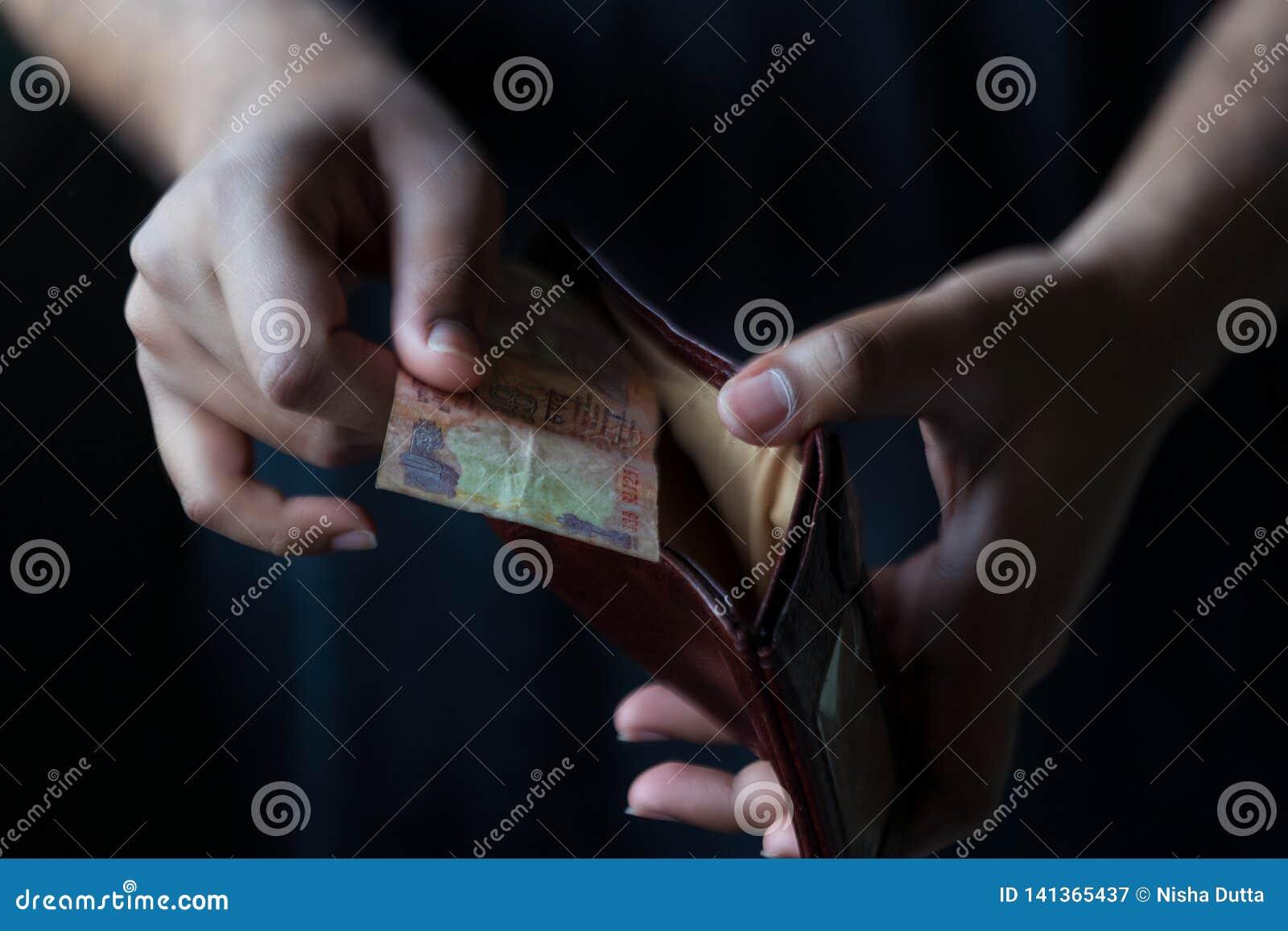 Mężczyzny portfel W Czarnym tle