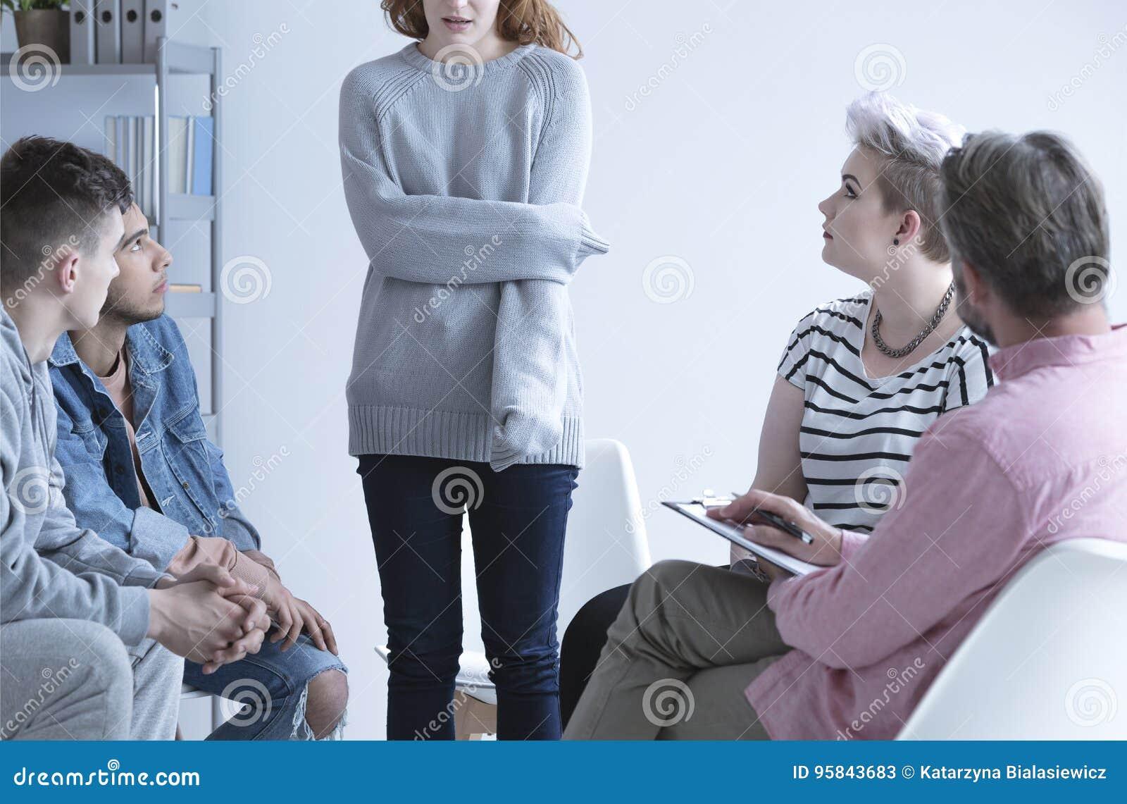 Mädchen an der Gruppentherapie