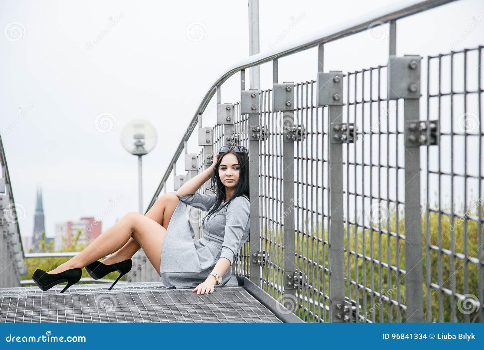 Mädchen im Park/im jungen Mädchen auf einem Weg /Warsaw/