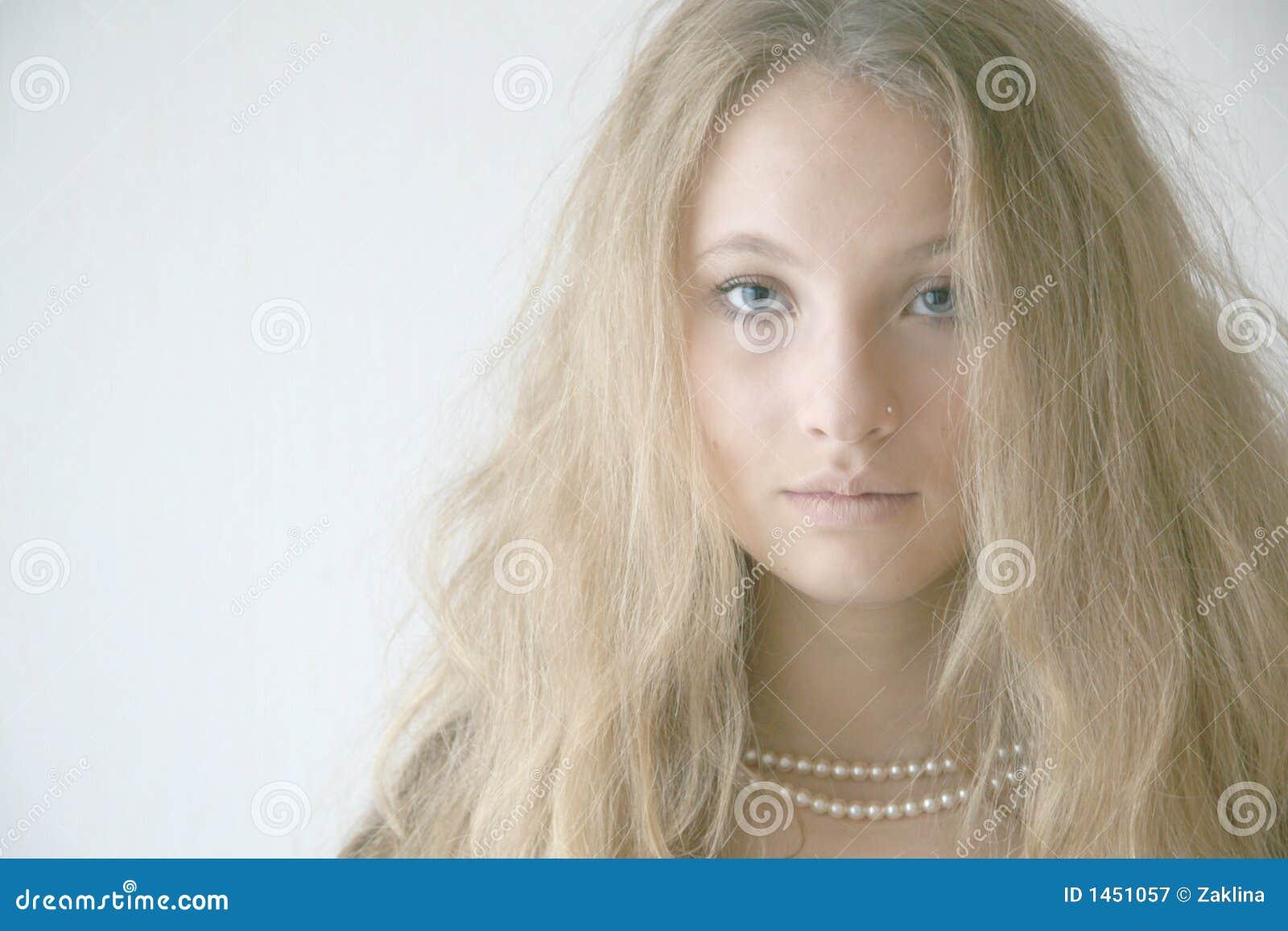 Mädchen mit Halskette