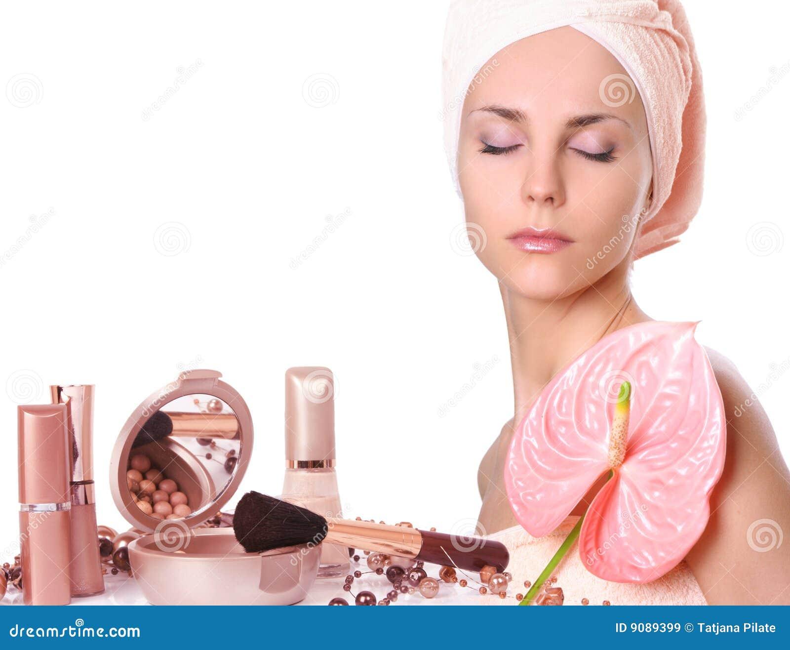Mädchen mit Kosmetik