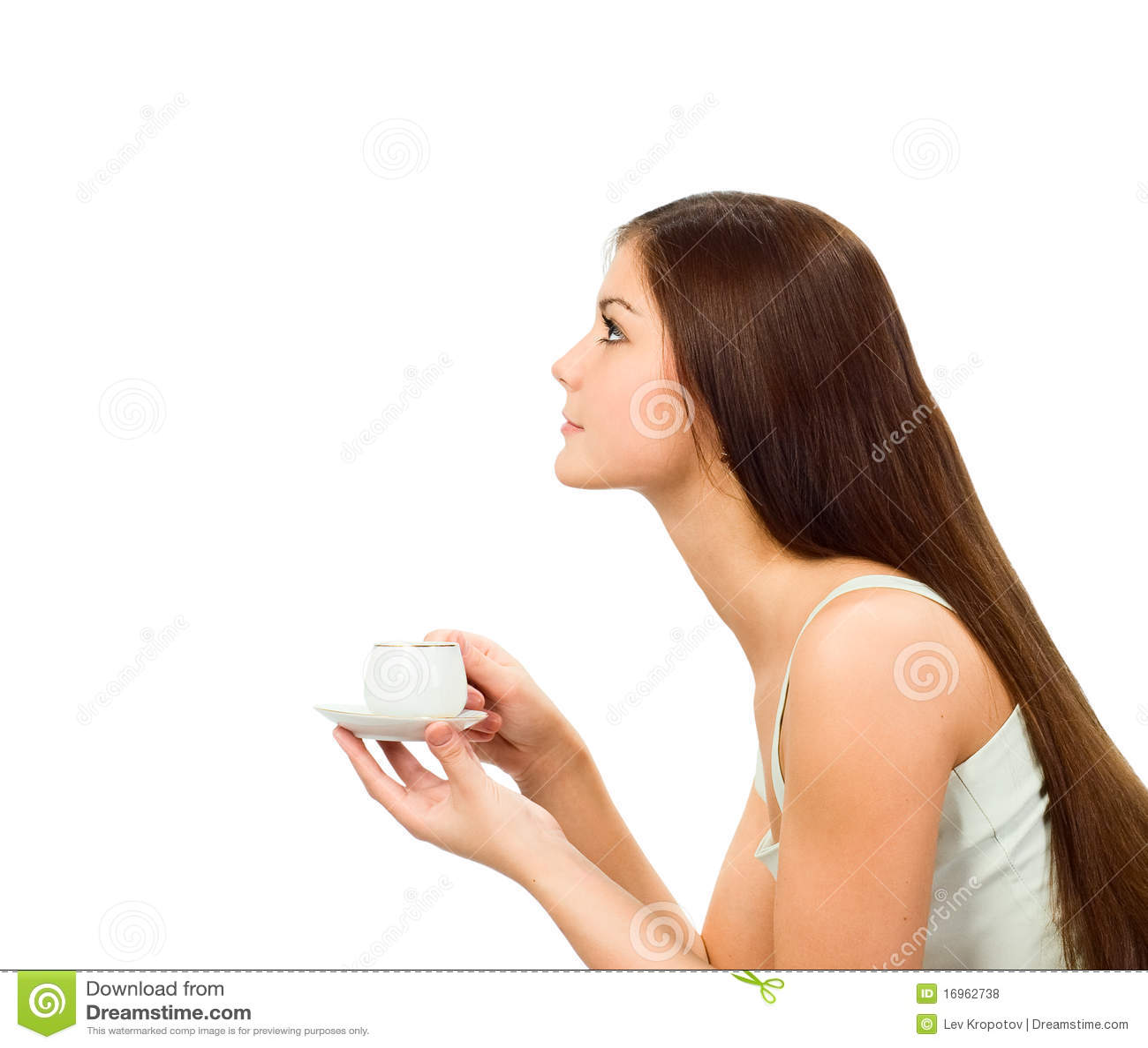 Mädchen mit Schutzkappe des Kaffees