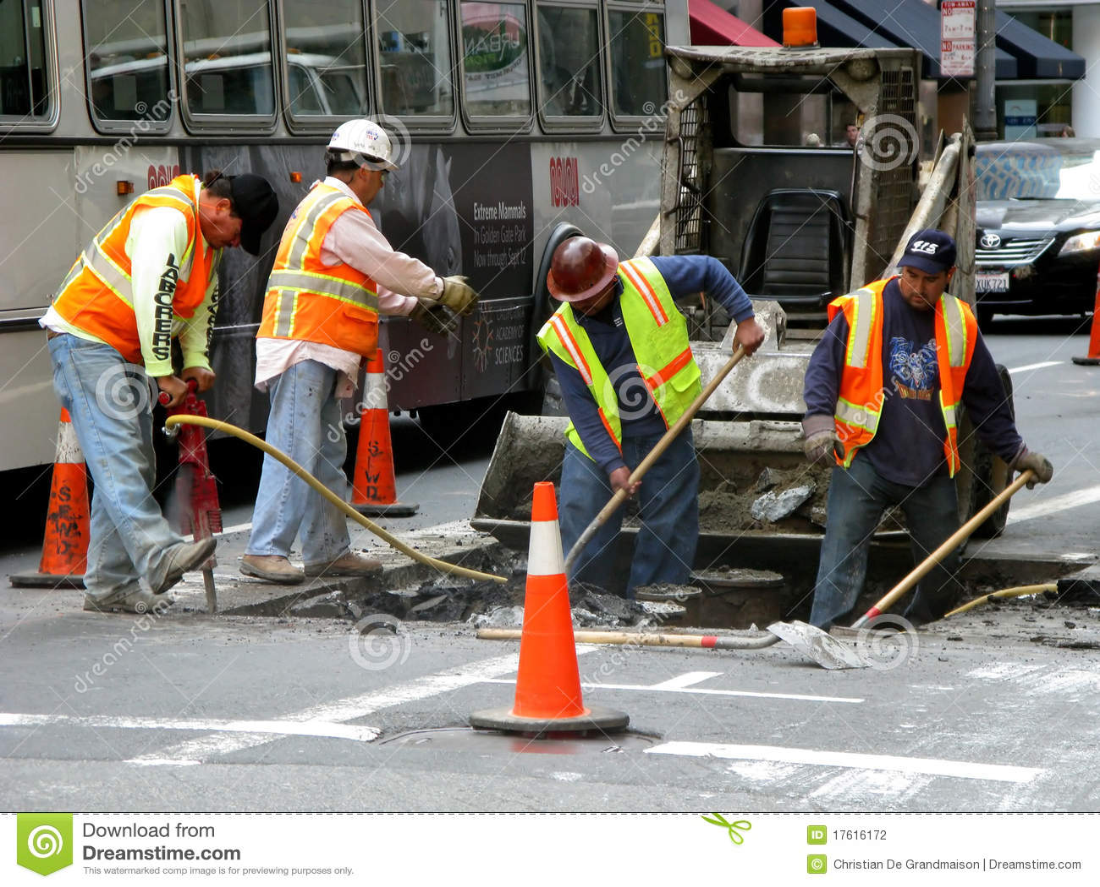 Männer bei der Arbeit