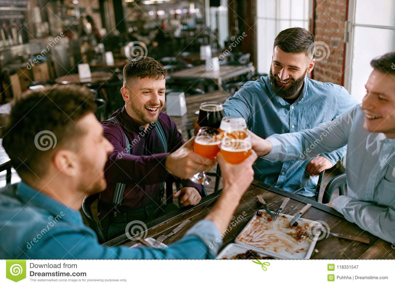 Männer bier