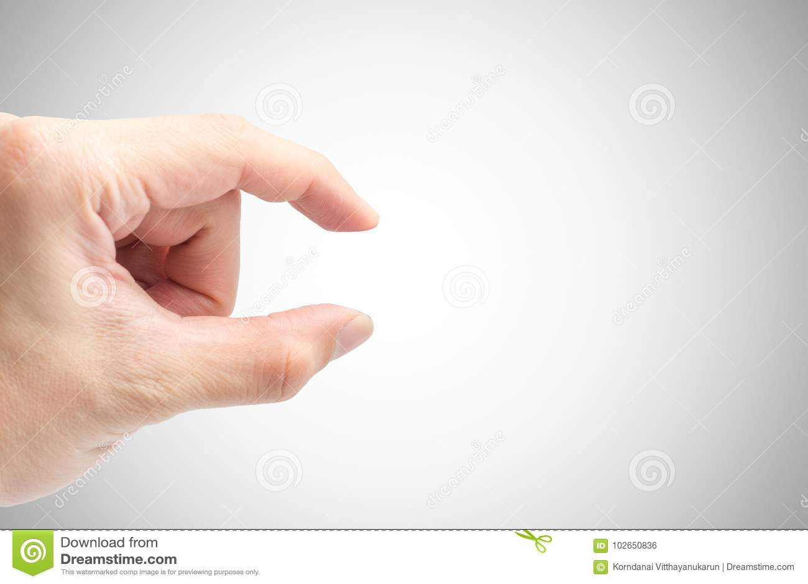 Männliche Handfinger-Auswahl oder Zupackenlagenahaufnahmeschuß lokalisiert