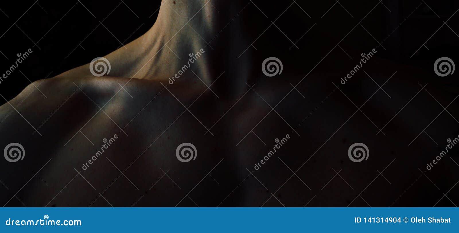 Männlicher Körper des ästhetischen Muskels Athletenkörper