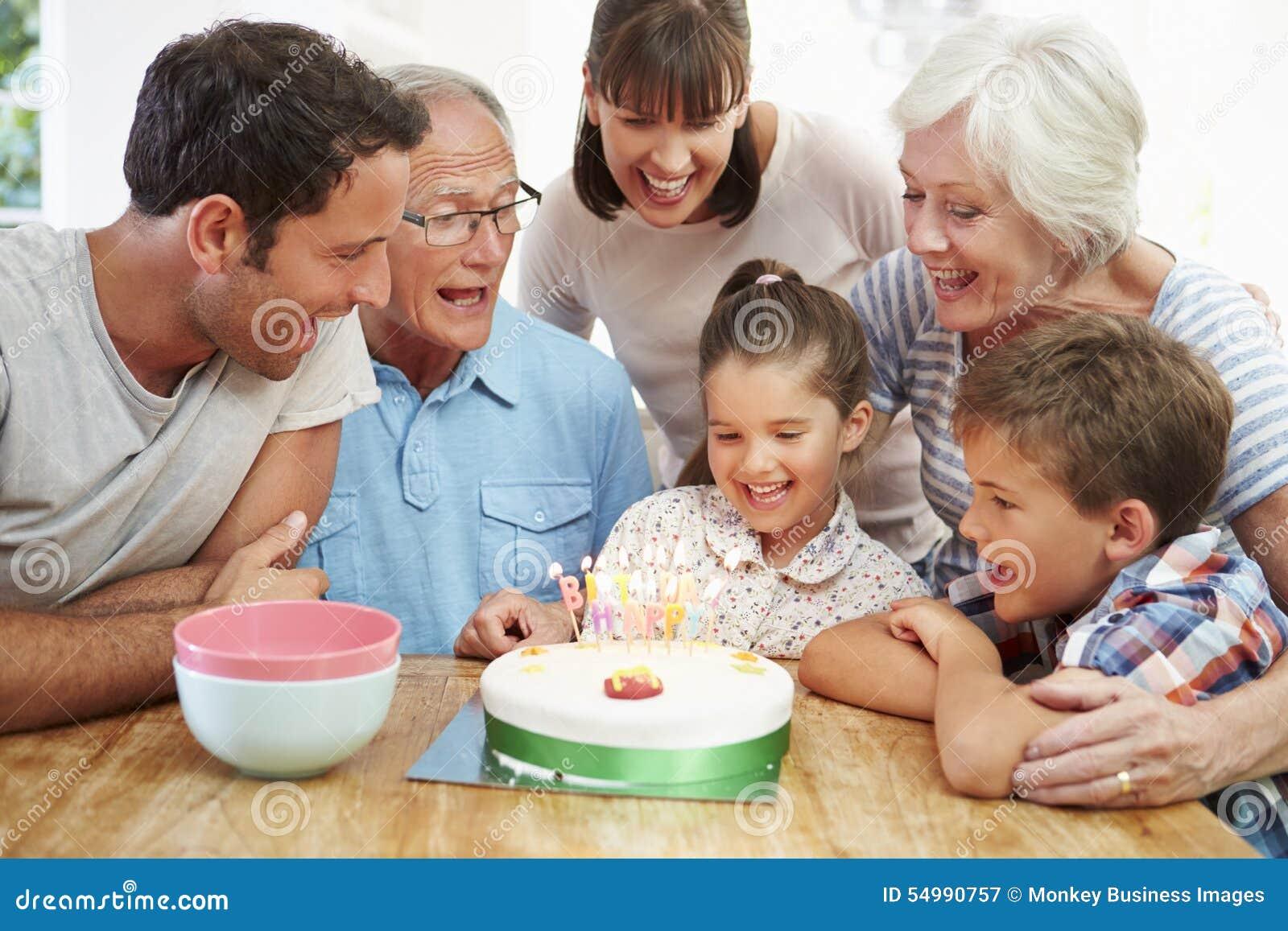 Mång- fira dotters för utvecklingsfamilj födelsedag