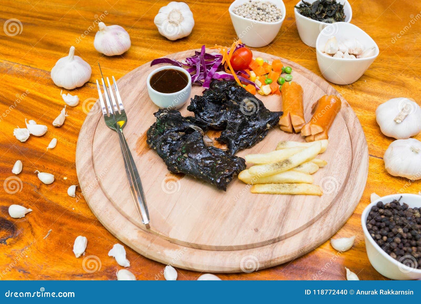 Många mat på tabellen