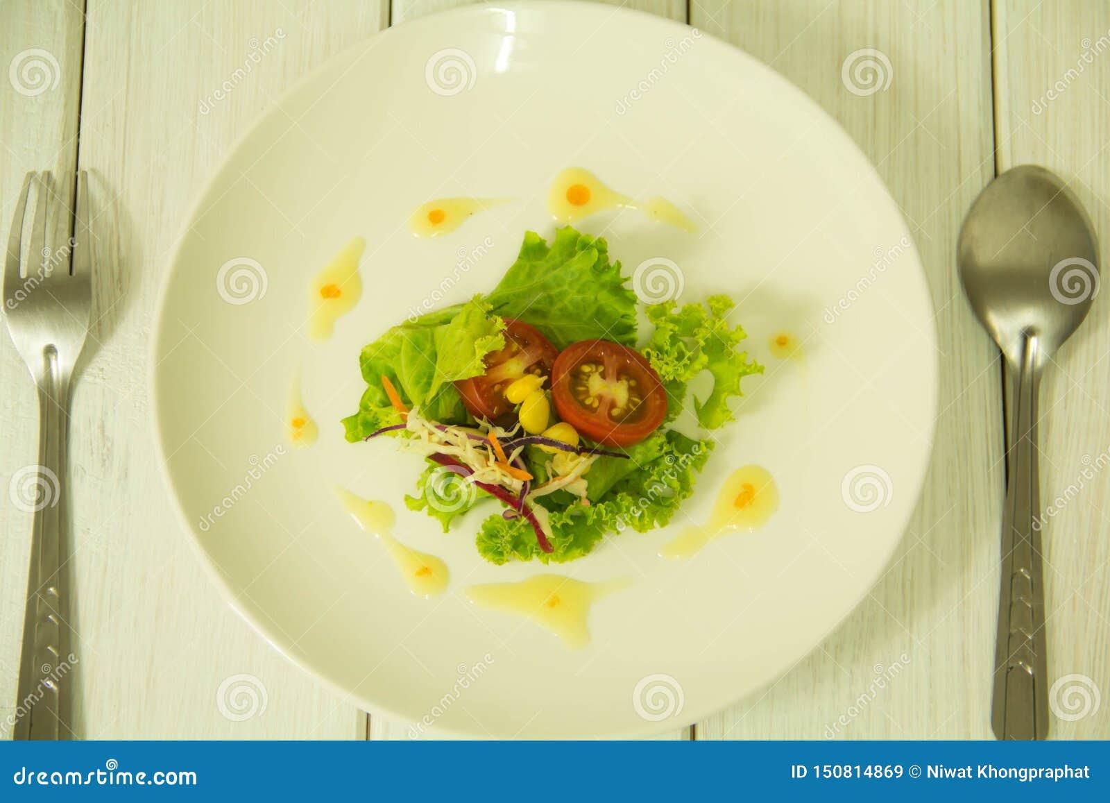 Många sorter av frukt- och grönsaksallader
