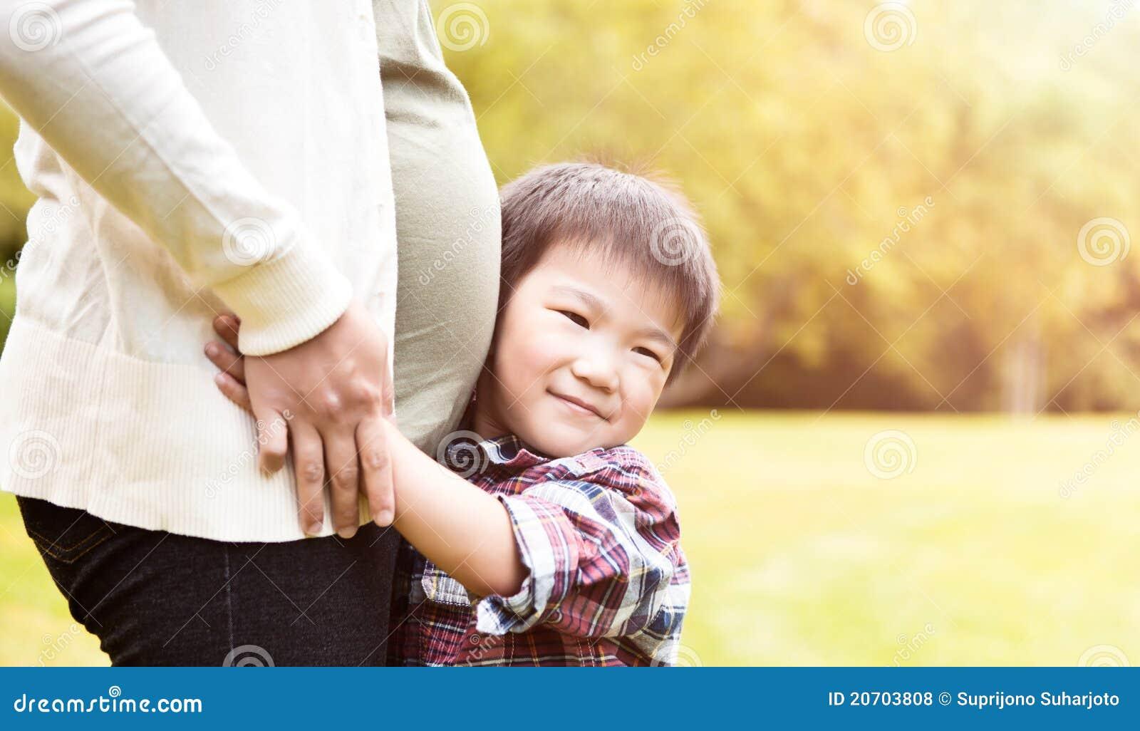 Japonais enceinte et fils