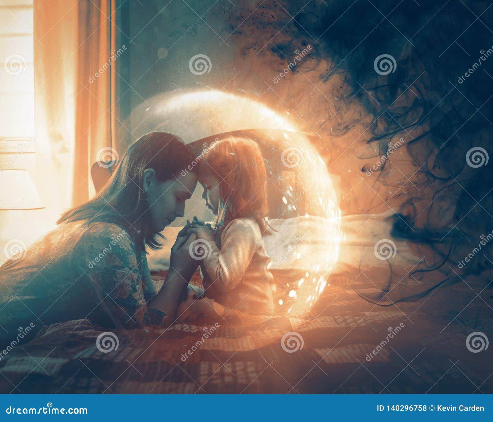 Mère priant pour l enfant