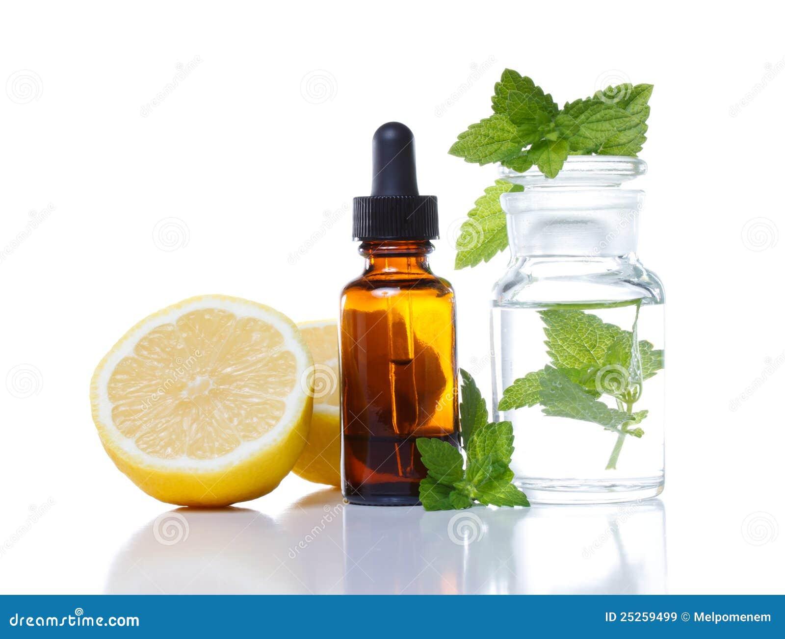 Médecine de fines herbes ou bouteille aromatherapy de compte-gouttes