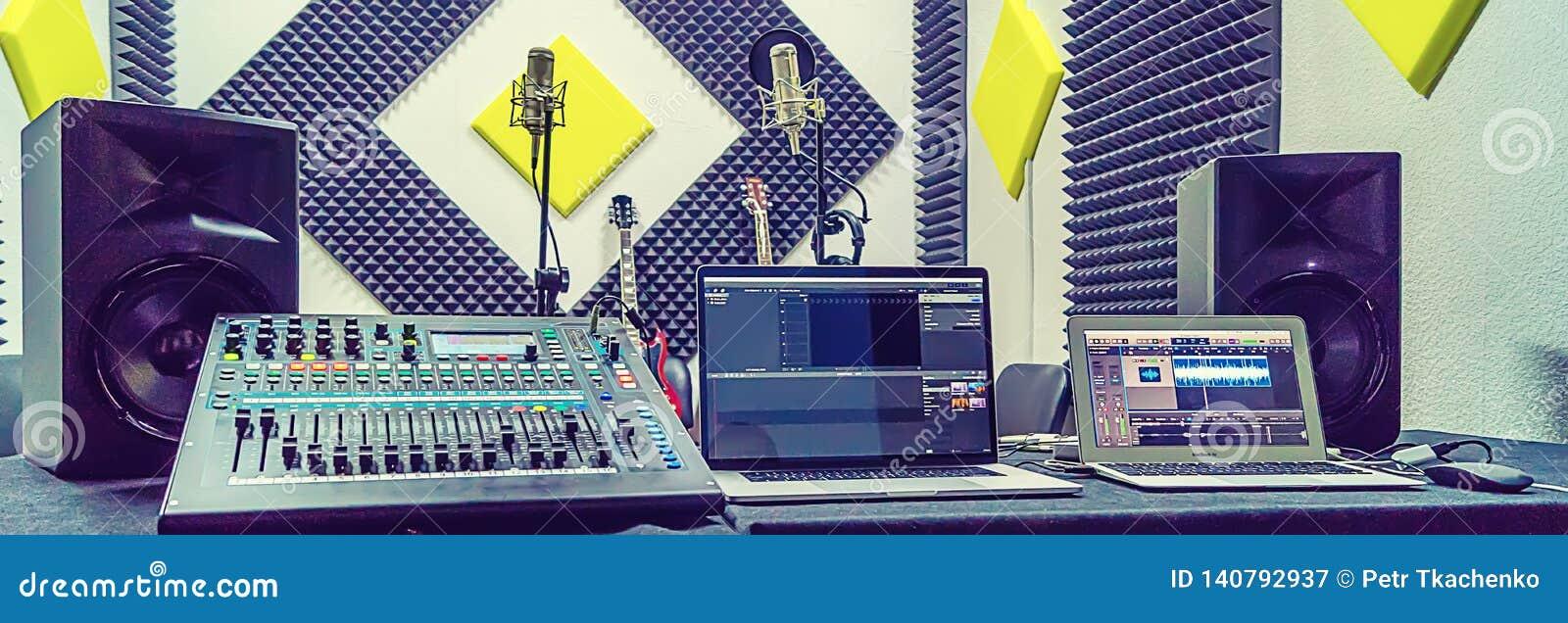 Mélangeur au studio d enregistrement
