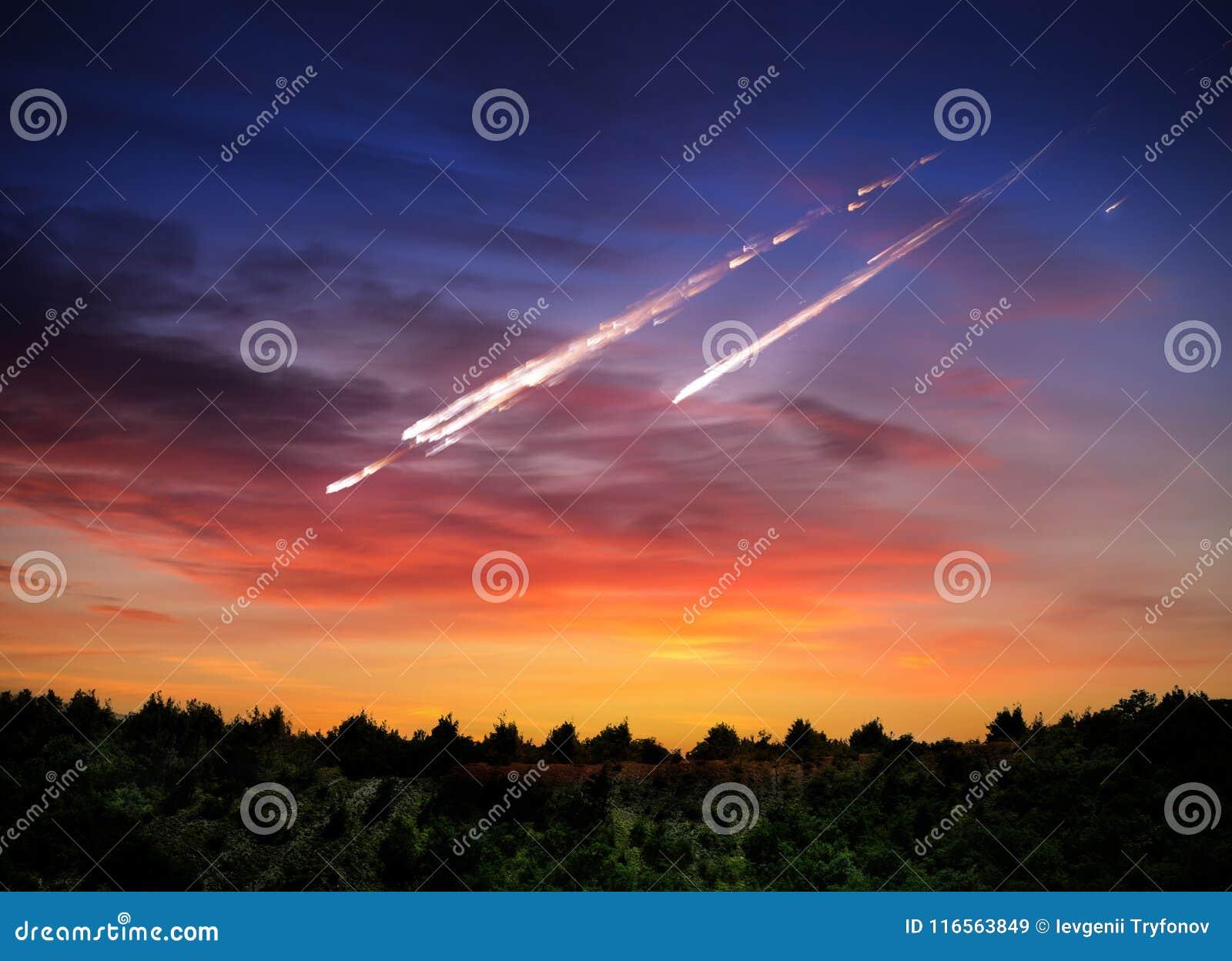 Météorite en baisse, asteroïde, comète sur terre Éléments de cet im
