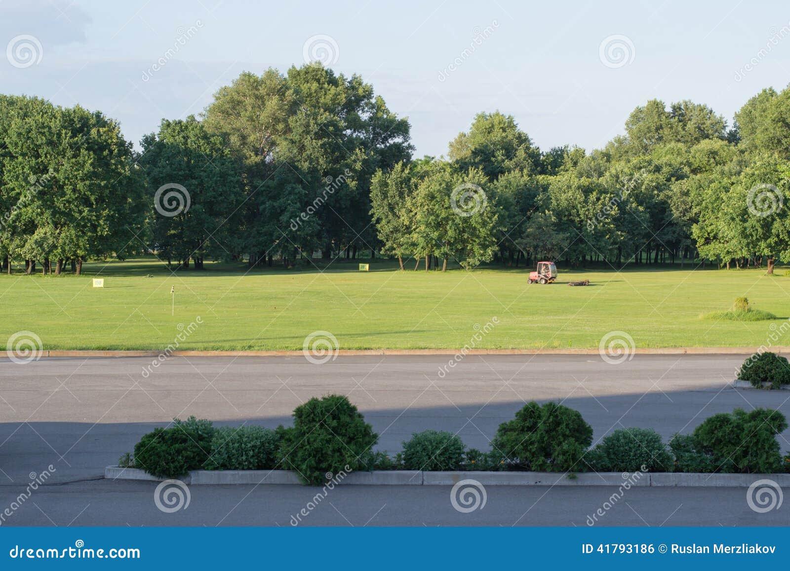 Même le terrain de golf abandonné